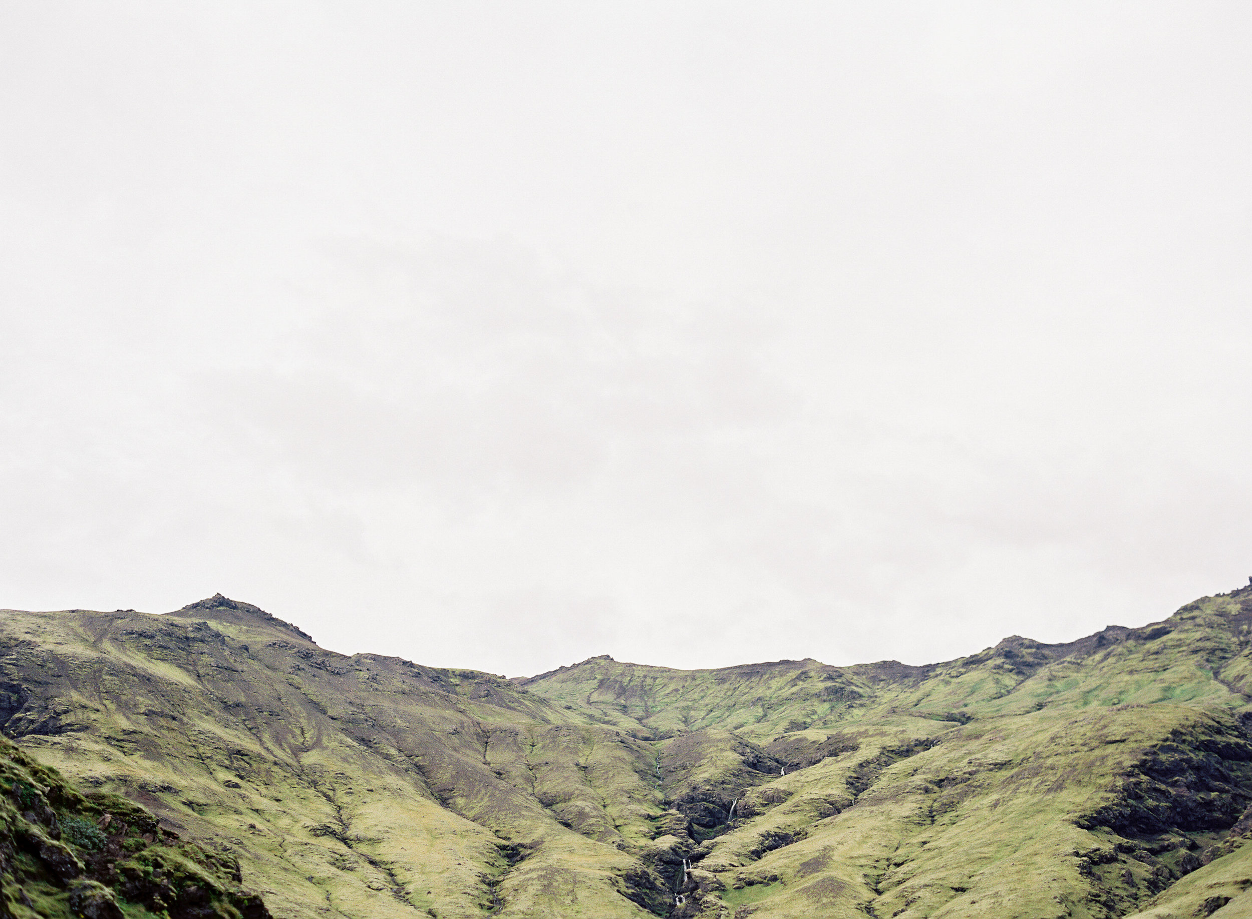 VickiGraftonPhotography-IcelandWeddingEngagementPhotographer-FineArtFilmWeddingPhotographer-84.jpg