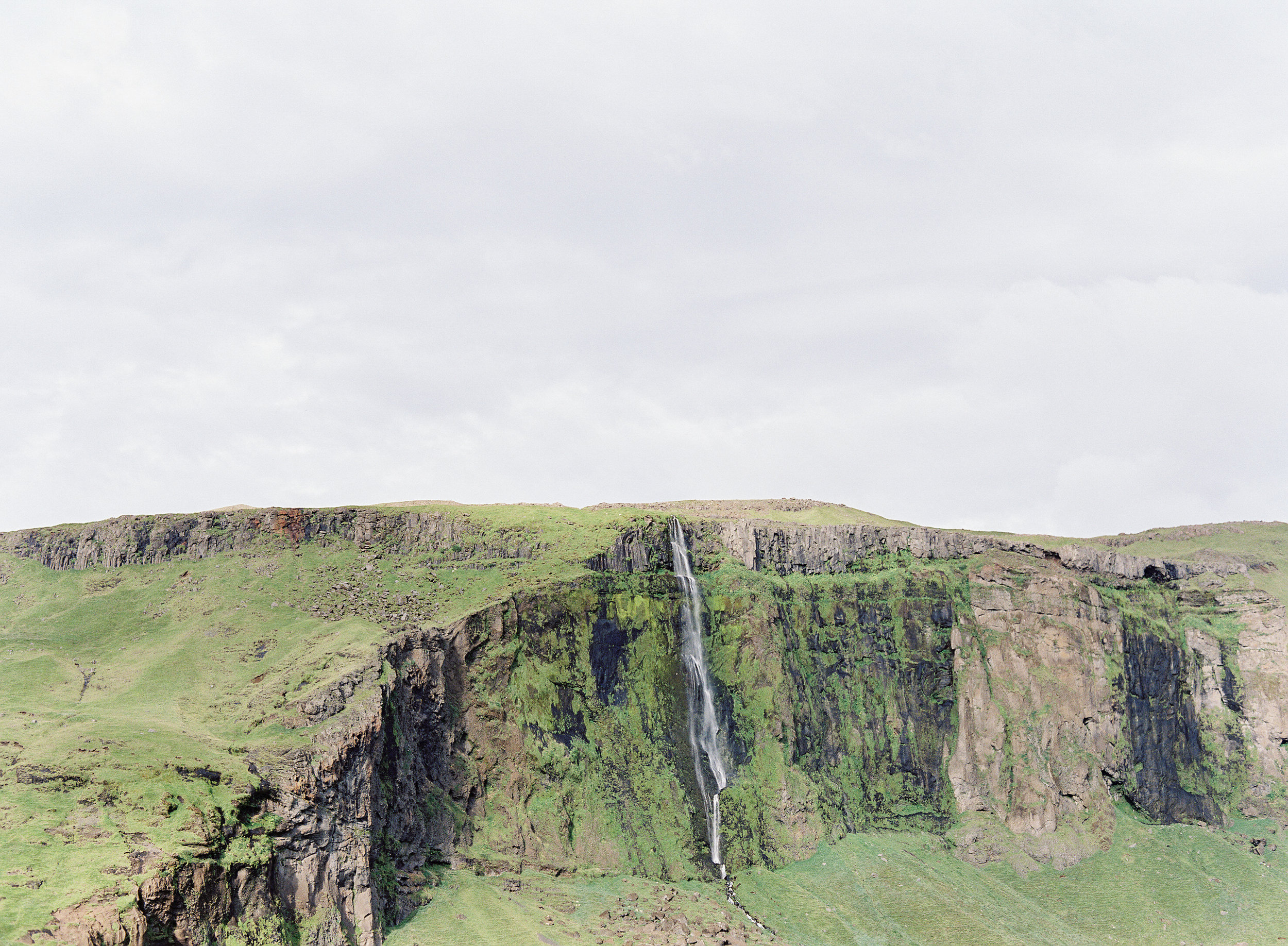 VickiGraftonPhotography-IcelandWeddingEngagementPhotographer-FineArtFilmWeddingPhotographer-121.jpg