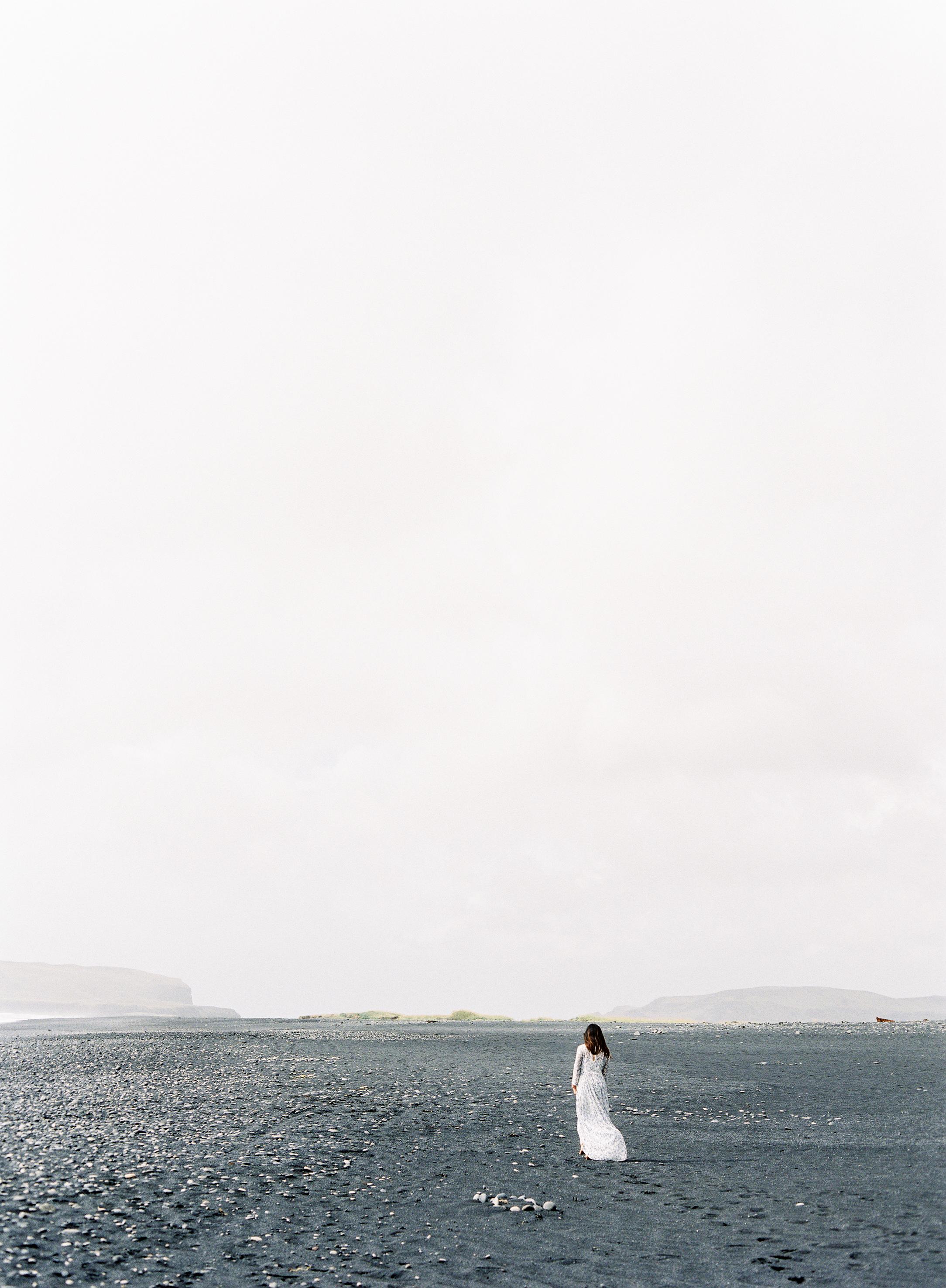 VickiGraftonPhotography-IcelandWeddingEngagementPhotographer-FineArtFilmWeddingPhotographer-216.jpg