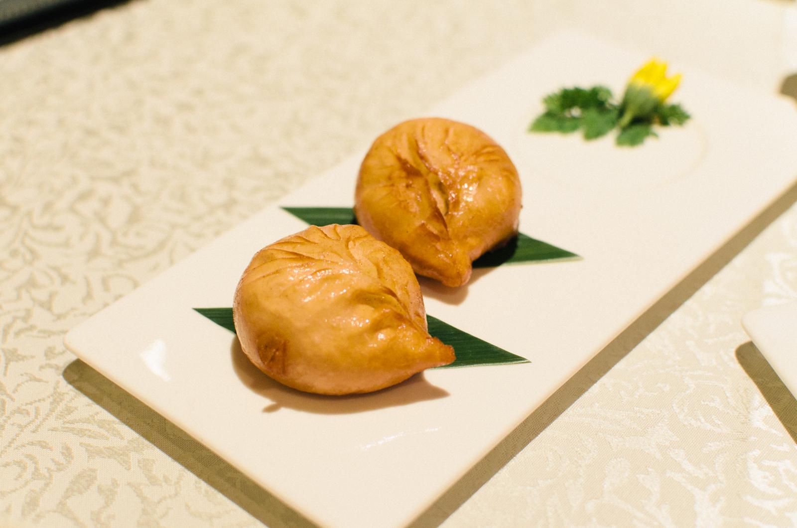Deep-fried Buns with Minced Pork, Dried Shrimps, aubergine and Chilli (脆皮玉茄包)
