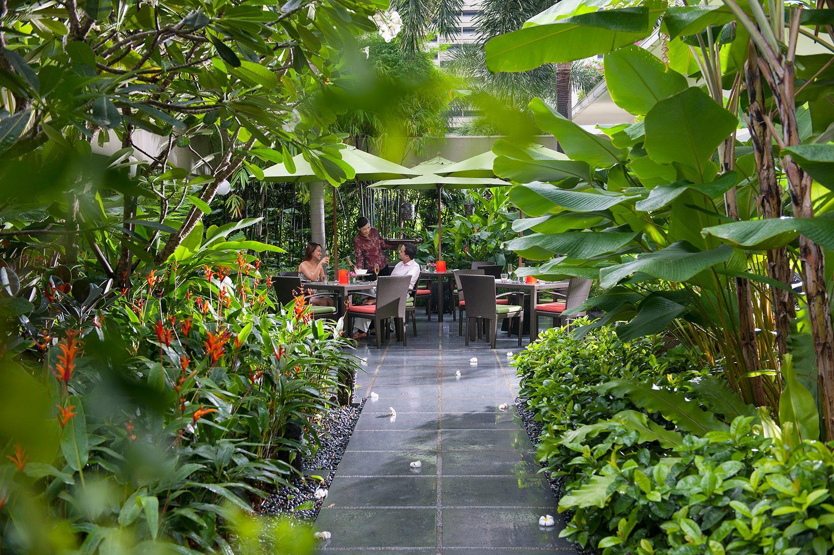singapore-restaurant-melt-the-world-cafe-service-3-2.jpg
