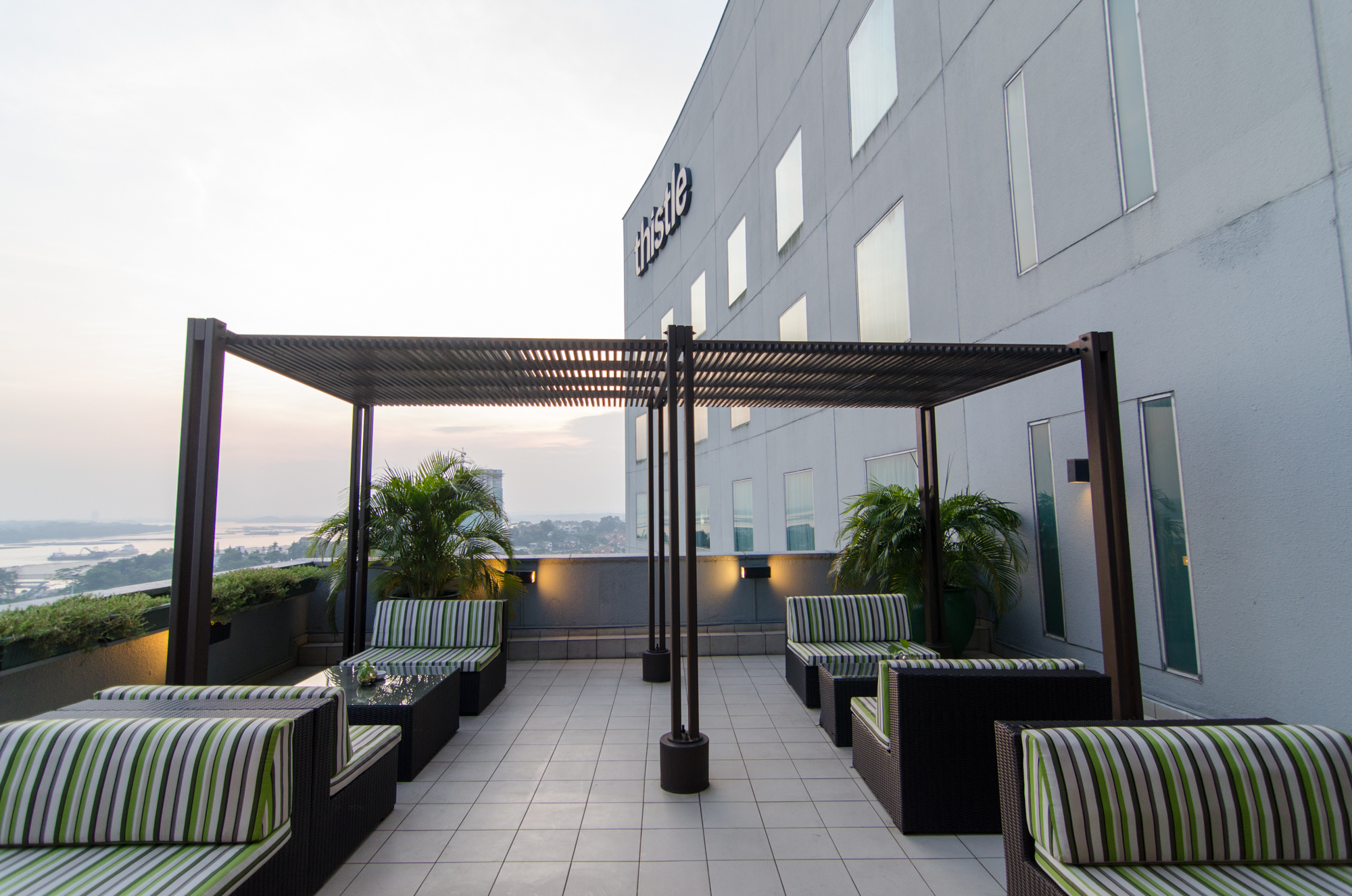 Thistle Johor Bahru Lounge Outdoors
