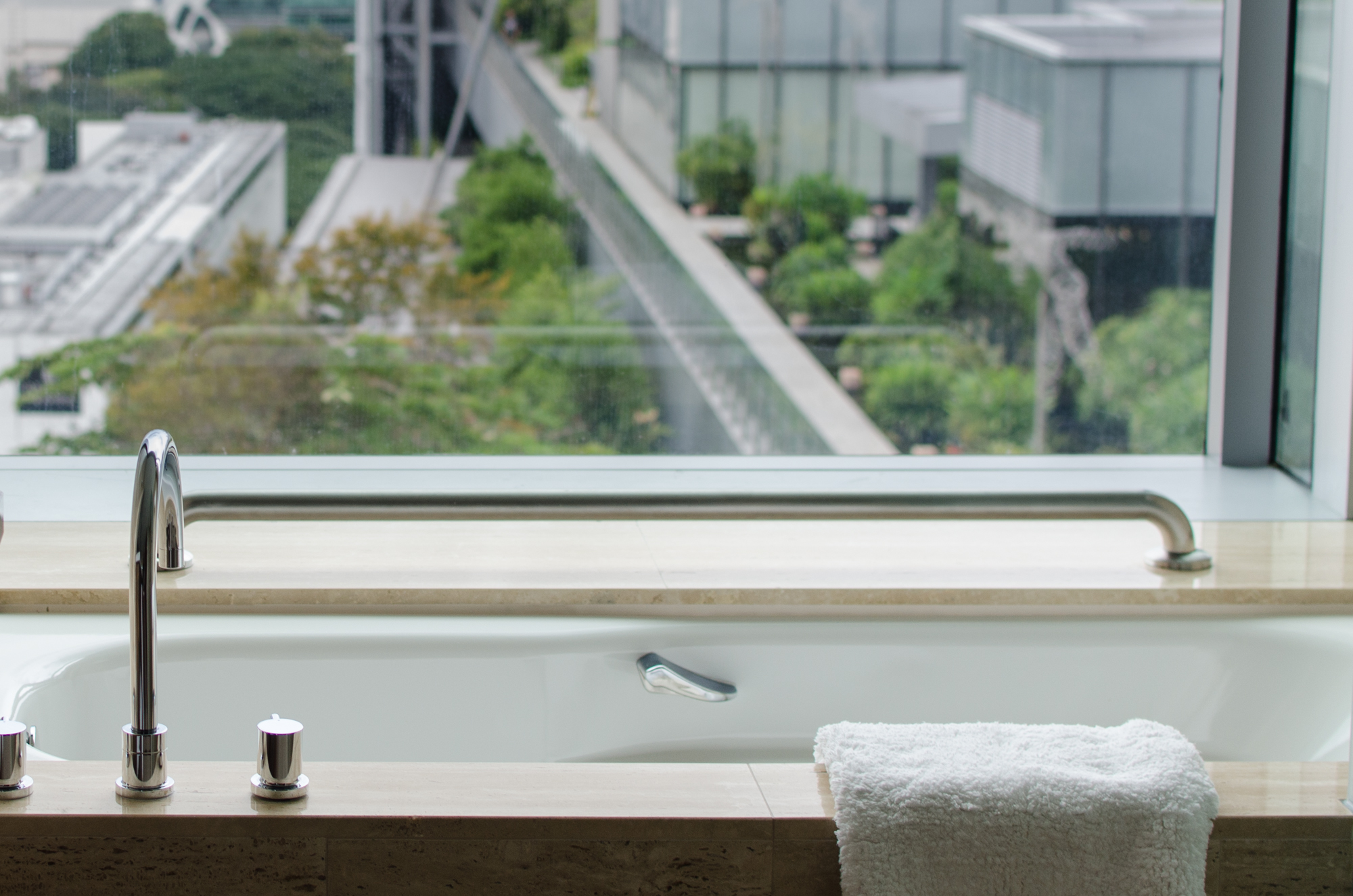 Hotel Jen Premier Panorama Bathroom Bathtub