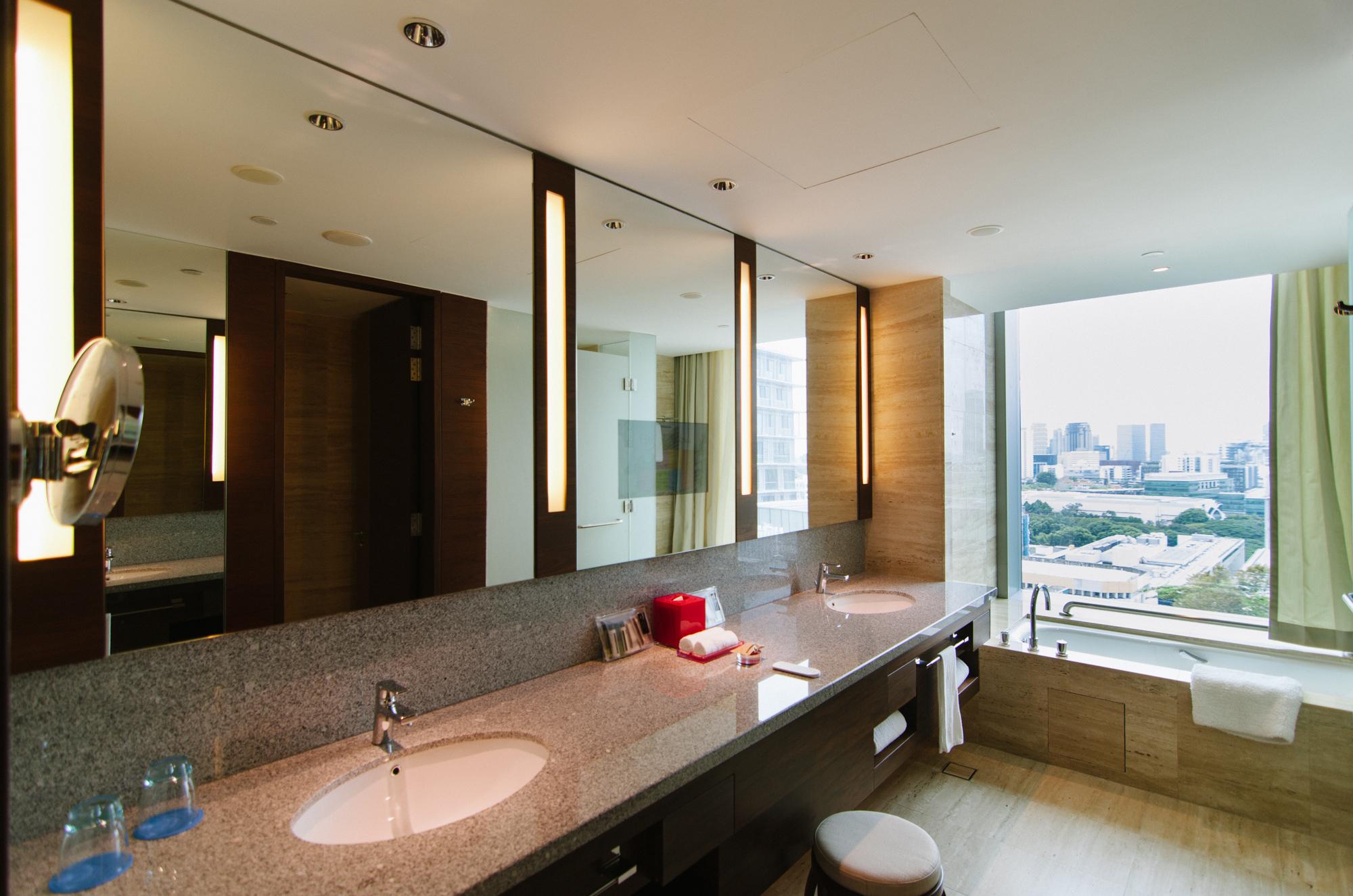 Hotel Jen Orchardgateway Premier Panorama Bathroom