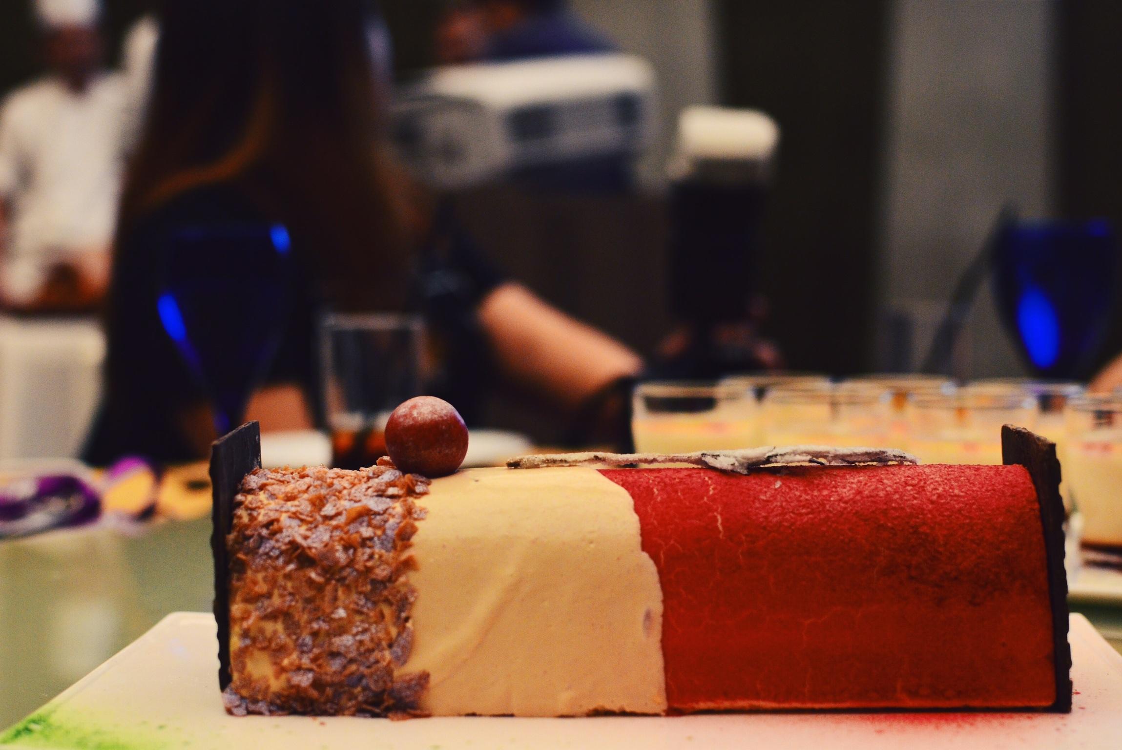 Crowne Plaza Changi Airport Yuzu Infused Log Cake (S$62+)