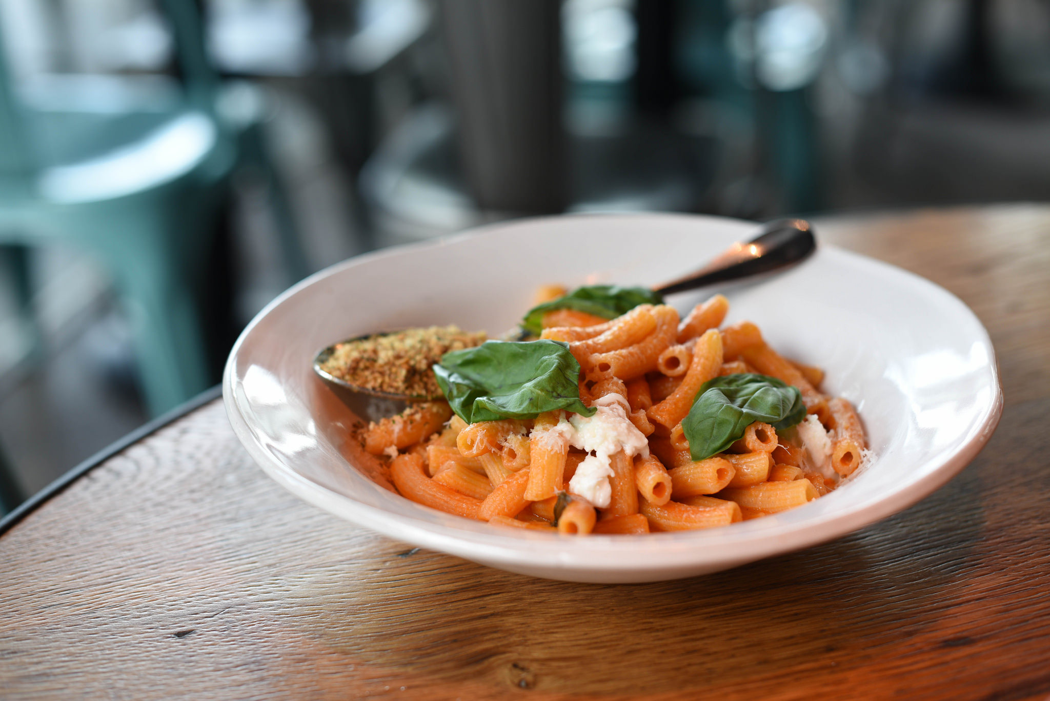 Penne Pomodoro (S$19++) - Penne pasta tossed with sweet tomatoes, garlic & basil, topped with mozzarella & crunchy, herby breadcrumbs