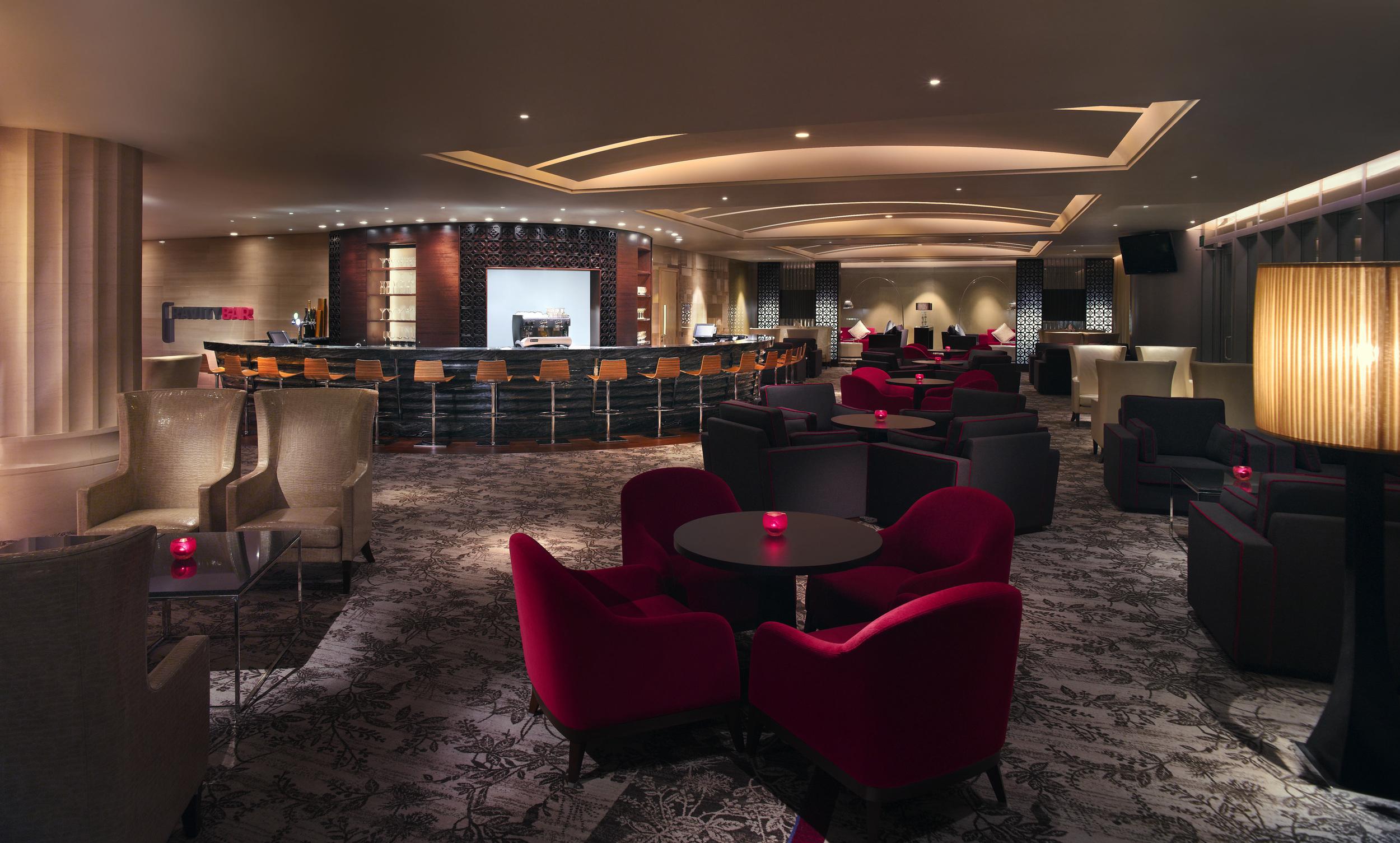 Gravity Bar Happy Hour - Carlton Hotel Singapore