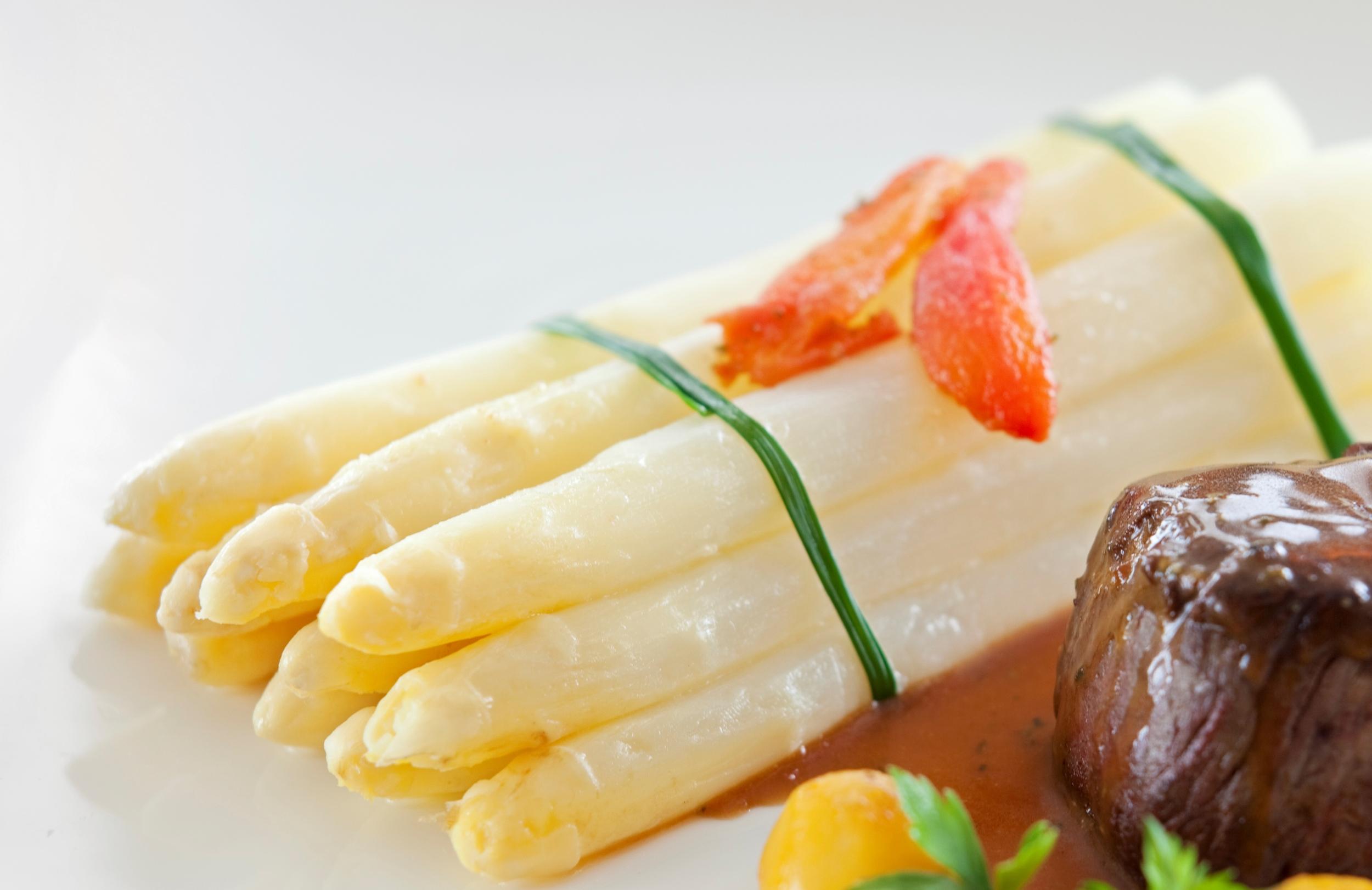 Savour the Seasonal White Asparagus at Dolce Vita (Mandarin Oriental, Singapore)