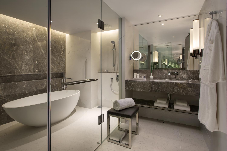 Bathroom of the Executive Suite (Carlton Hotel Singapore) | Photo Credit: Carlton Hotel Singapore