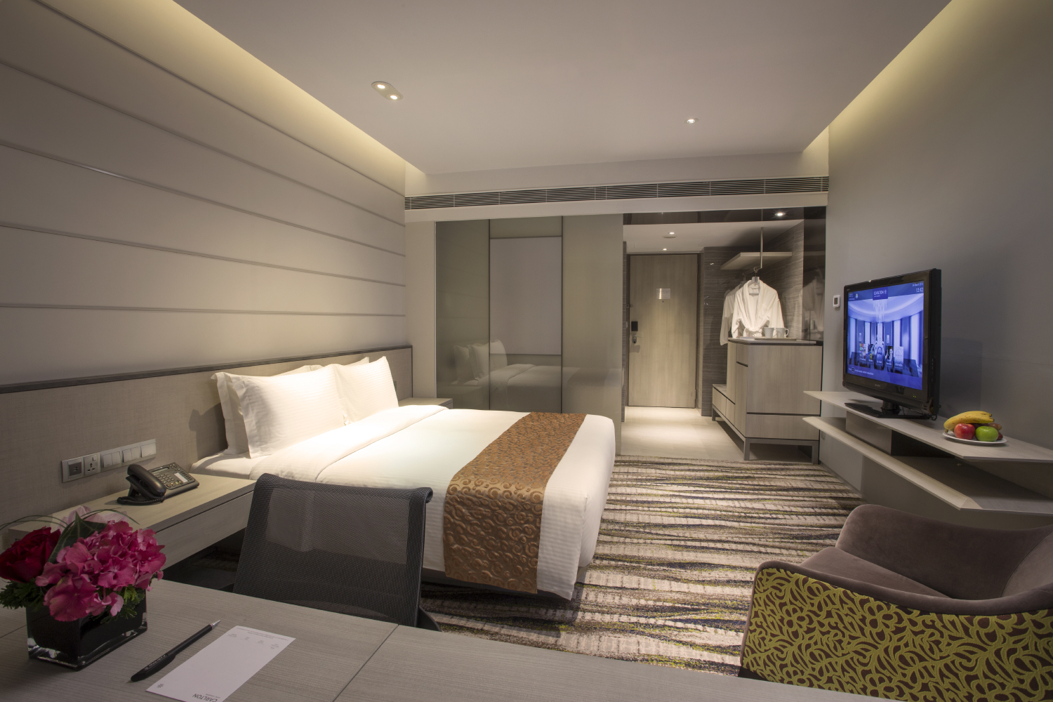 Deluxe Rooms at the Carlton Hotel Singapore | Photo Credit: Carlton Hotel Singapore