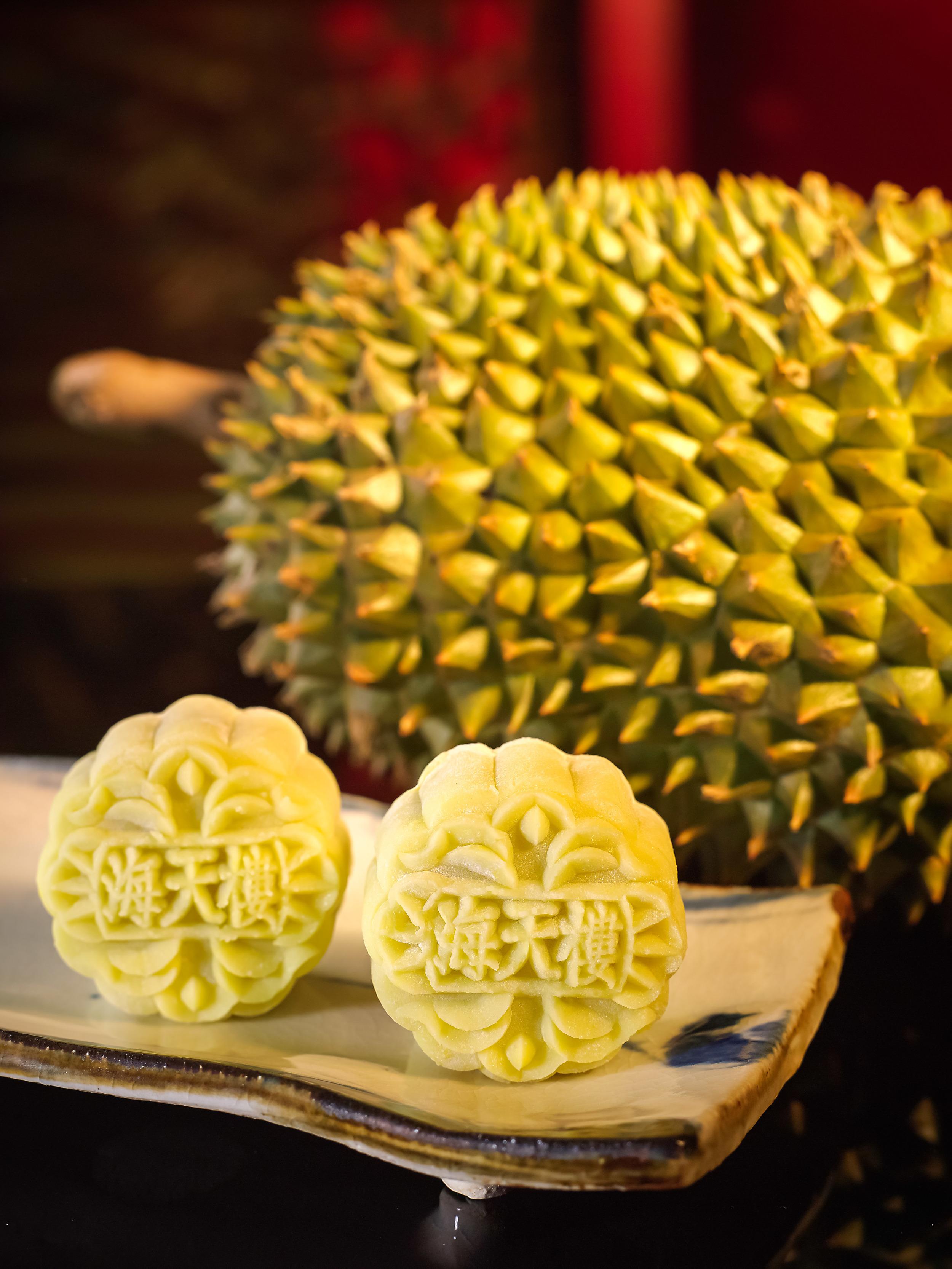Signature Mao Shan Wang Durian Snowskin   Photo Credit: Pan Pacific Singapore
