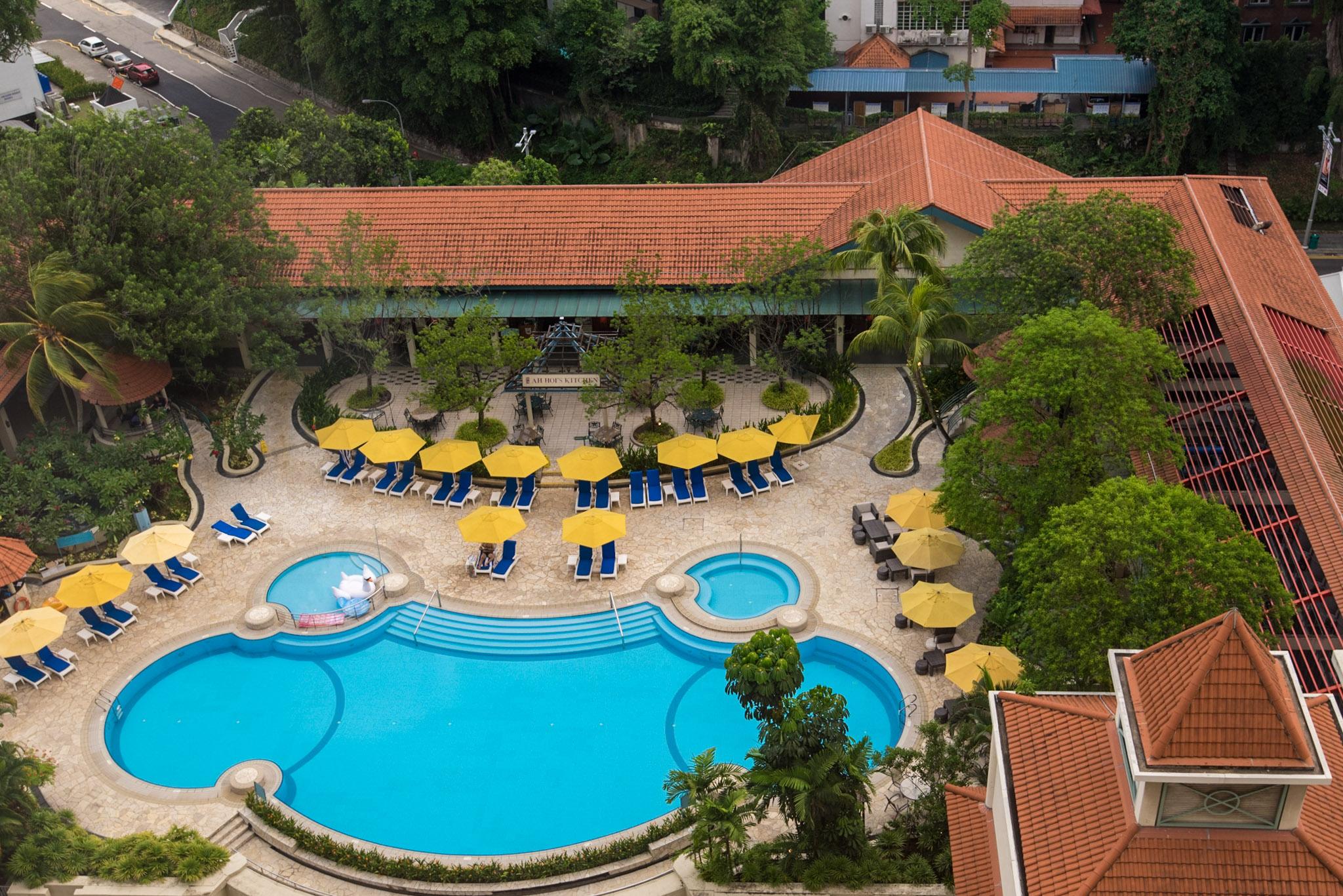 Swimming Pool of Hotel Jen Tanglin