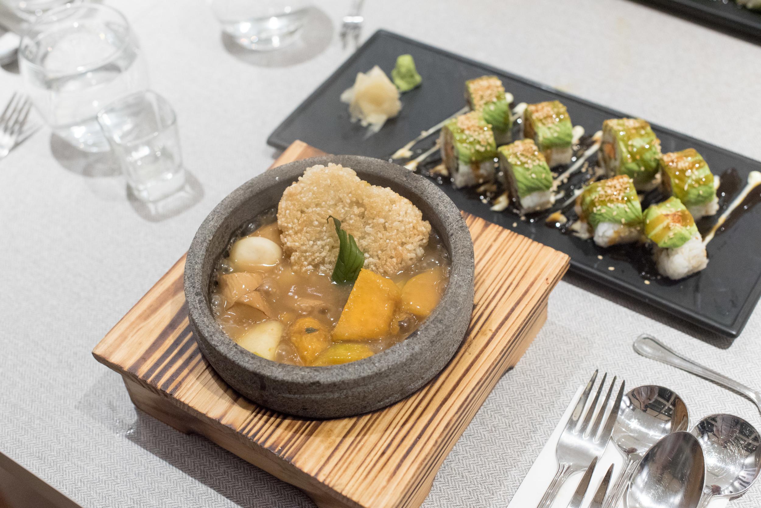 Braised Golden-brown Pumpkin with Glutinous Rice in Hot Stone