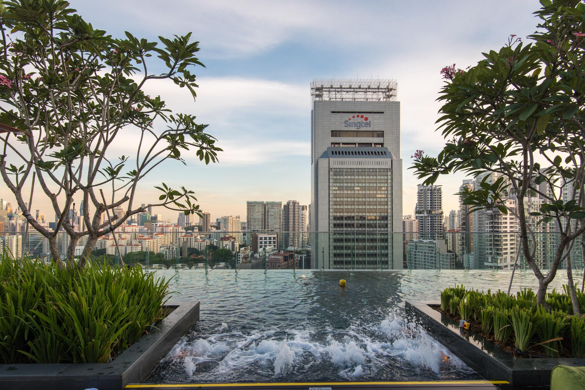 Swimming Pool - Hotel Jen Orchardgateway Singapore