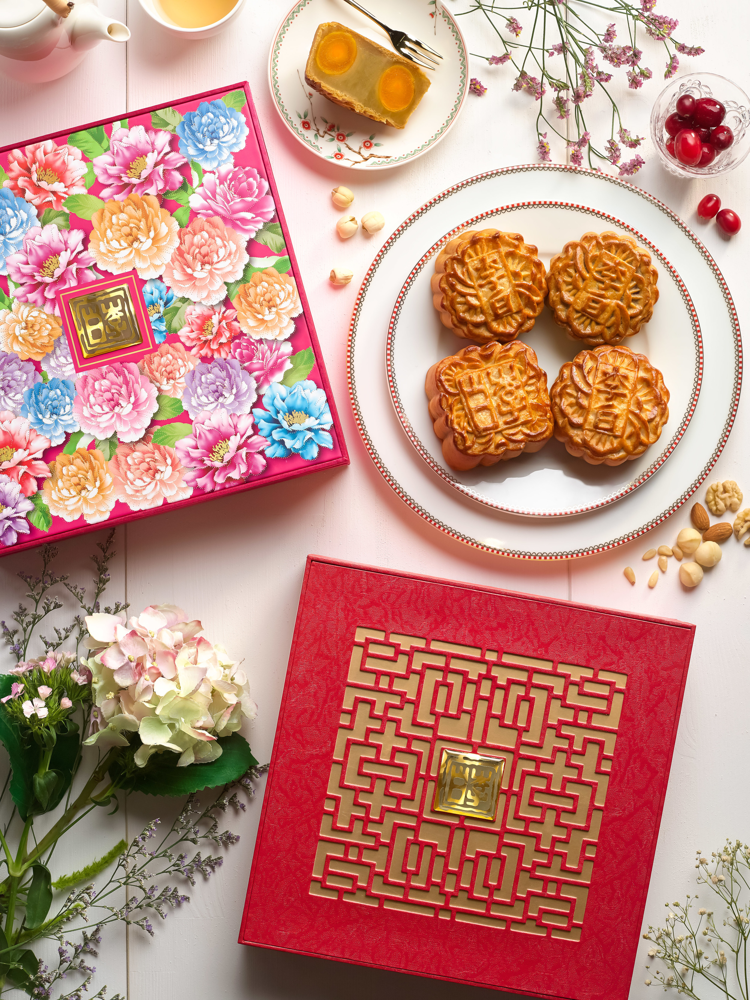Assorted Traditional Baked Mooncakes (S$72 Nett for a Box of 4) | Photo Credit: Sheraton Towers Singapore