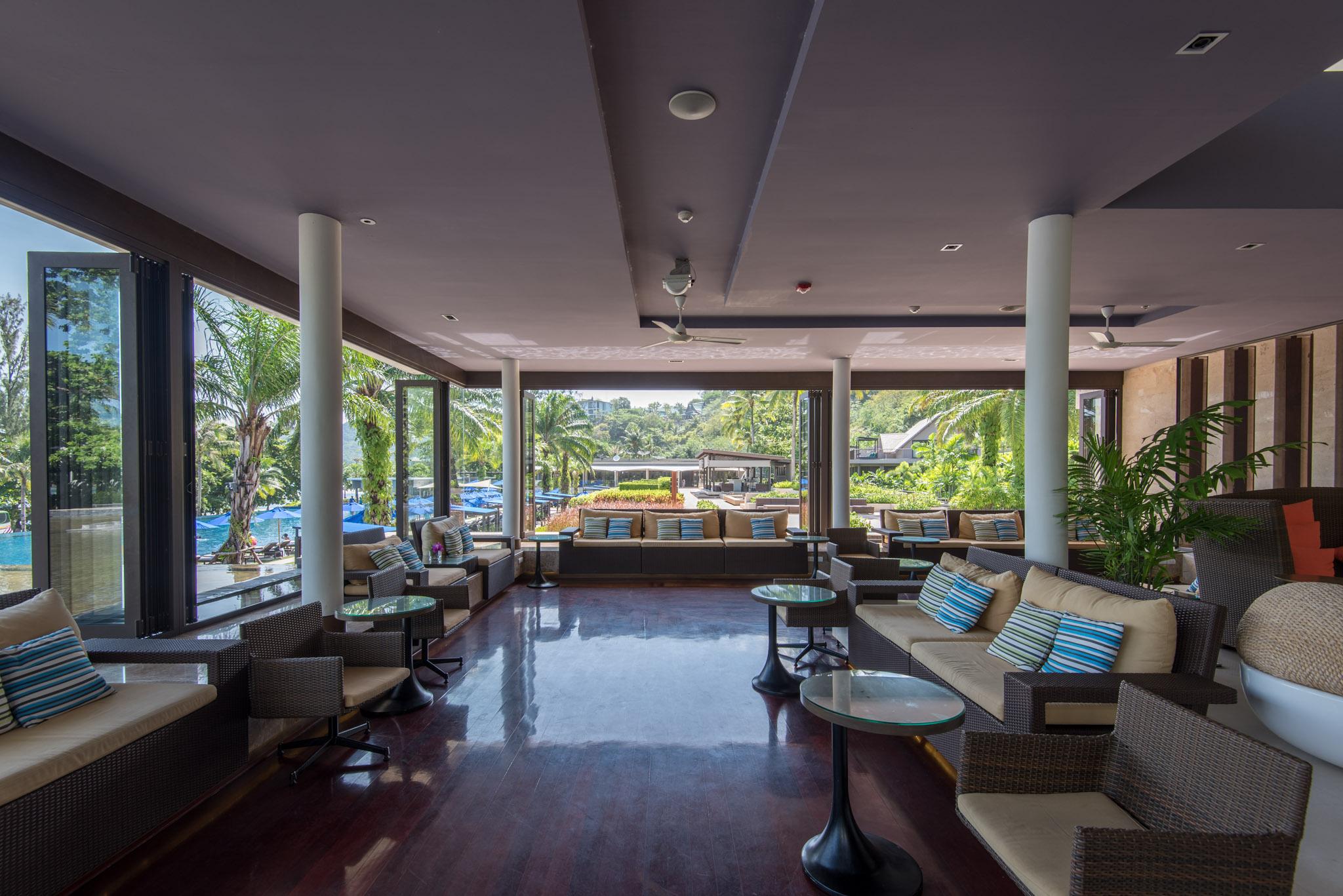 Main Lobby The Pool Bar - Hyatt Regency Phuket Resort