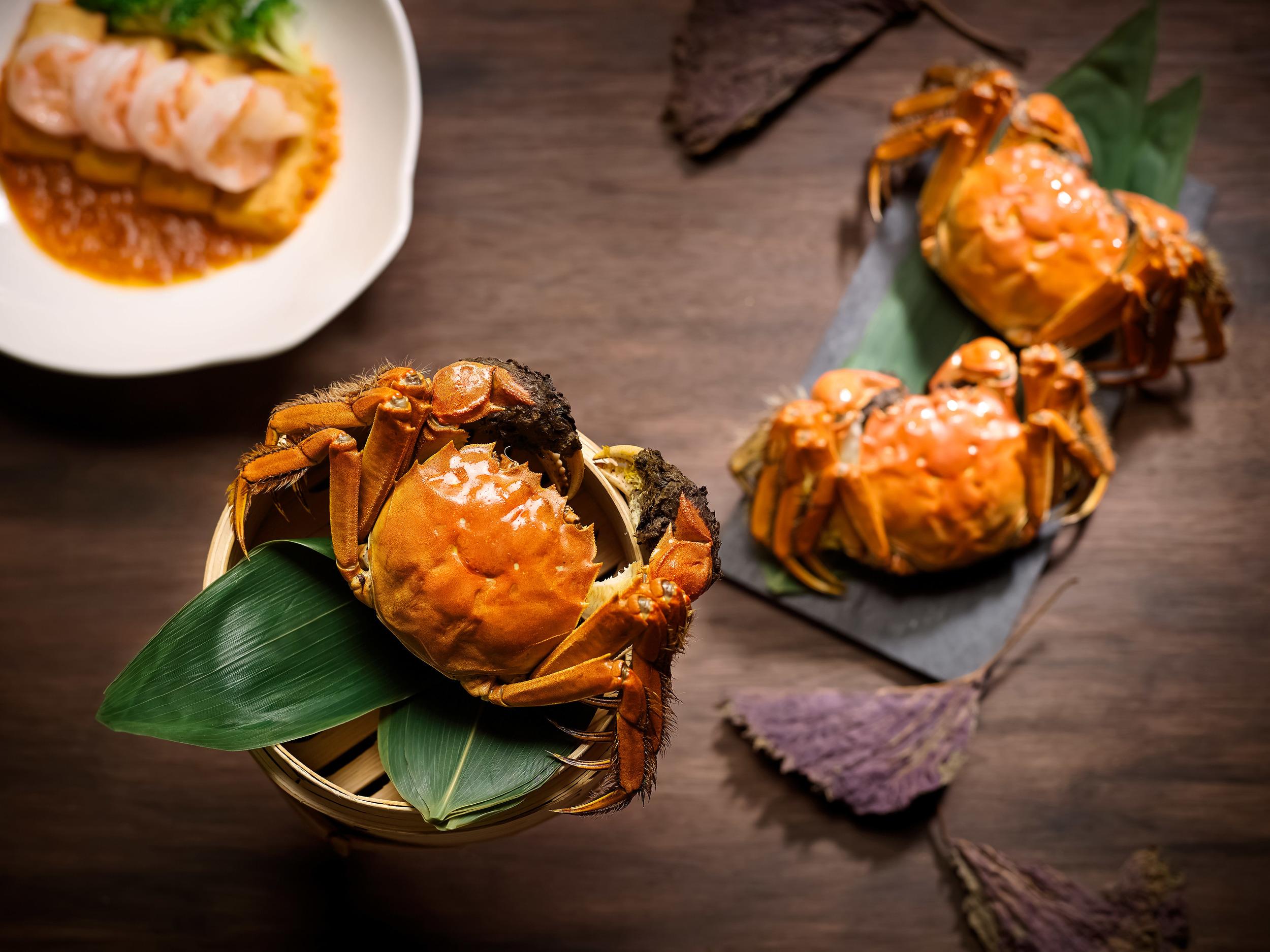 Hairy Crabs at Hai Tien Lo | Photo Credit: Pan Pacific Singapore