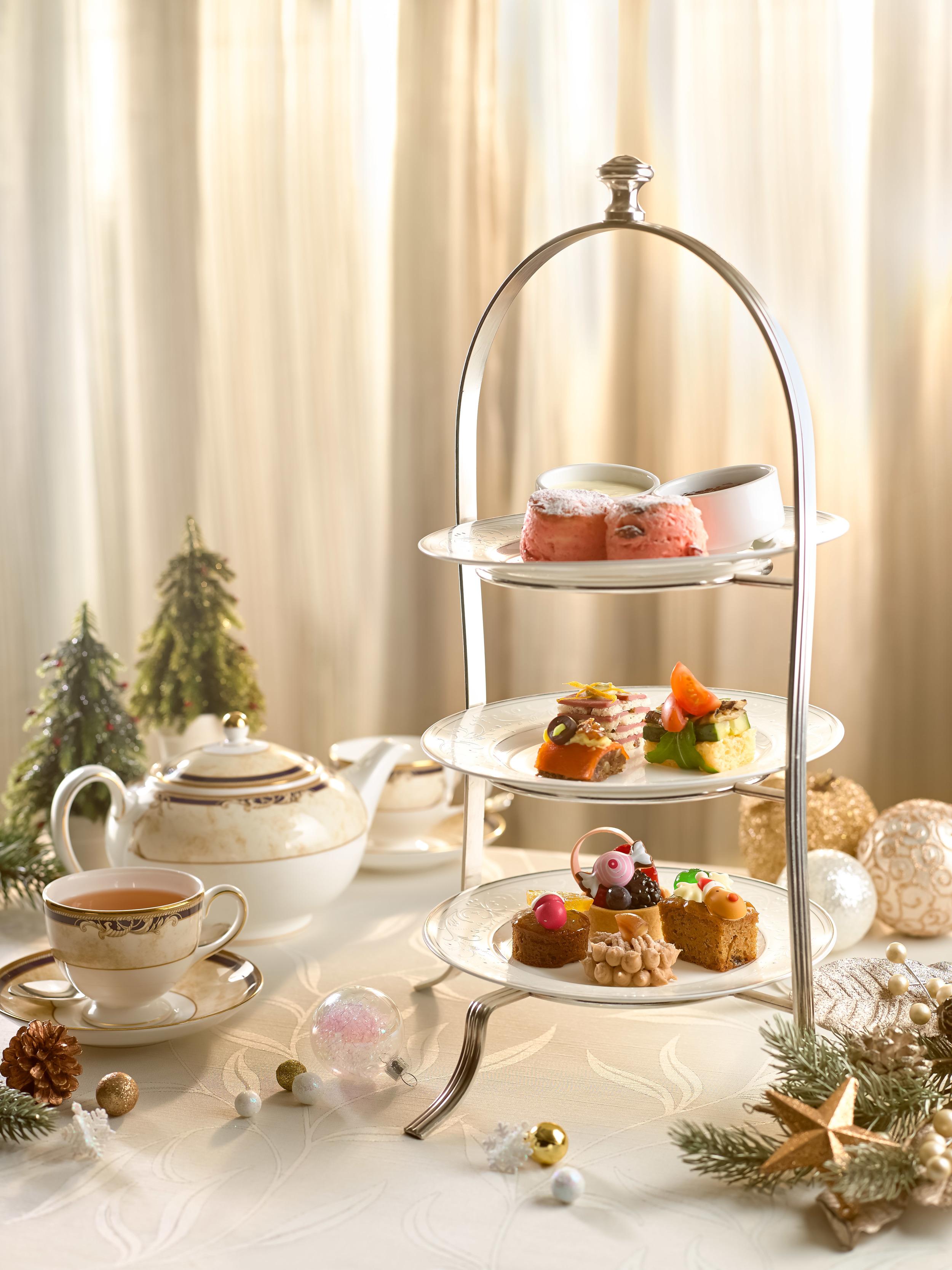 Afternoon Tea at Lobby Court | Photo Credit: Shangri-La Hotel, Singapore