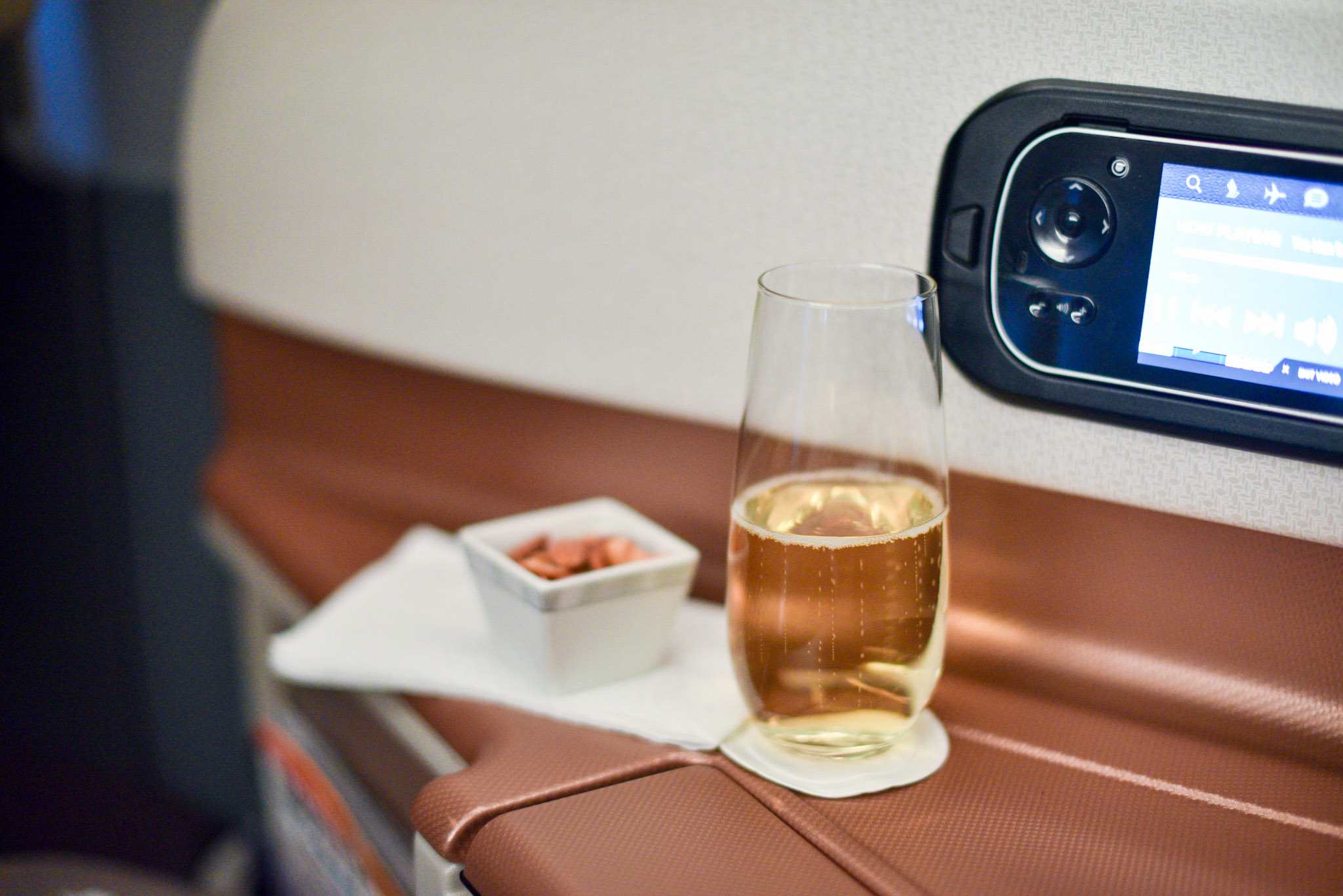 Taittinger Champagne and Mixed Nuts   Boeing 777-300ER (  Business Class) - Singapore Airlines