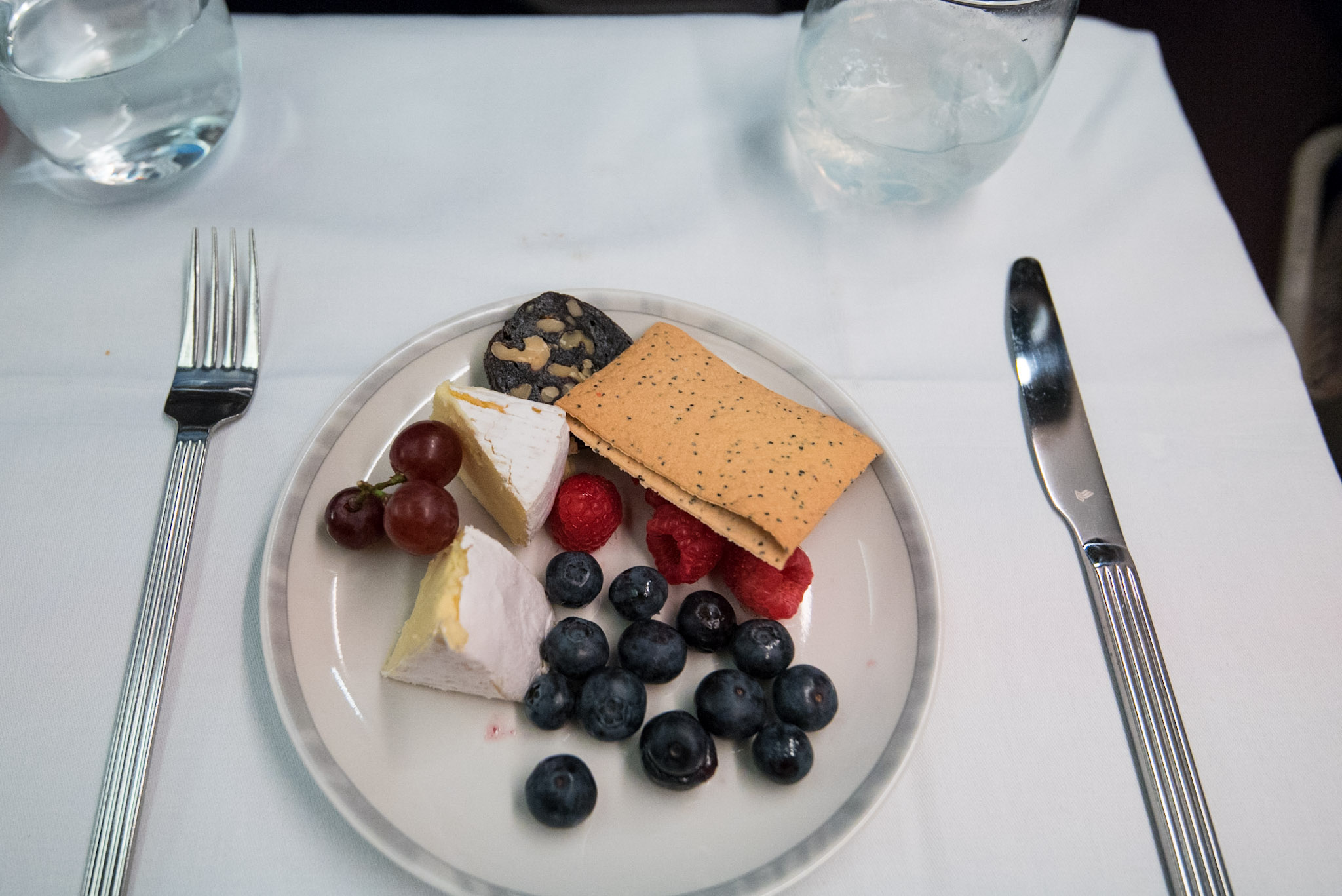 Selection of Cheese with Fresh Fruits   Boeing 777-300ER (  Business Class) - Singapore Airlines