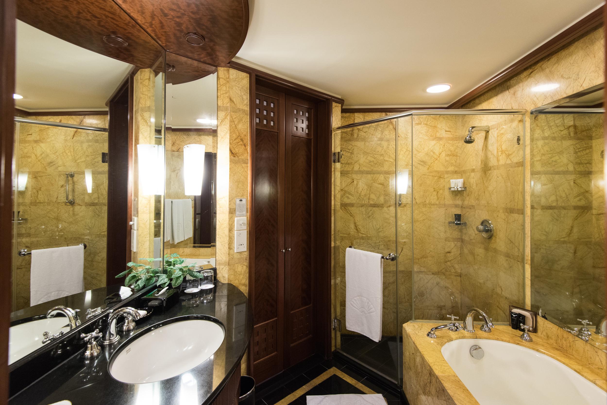 Bathroom -Club Deluxe City View Room  Mandarin Oriental, Kuala Lumpur