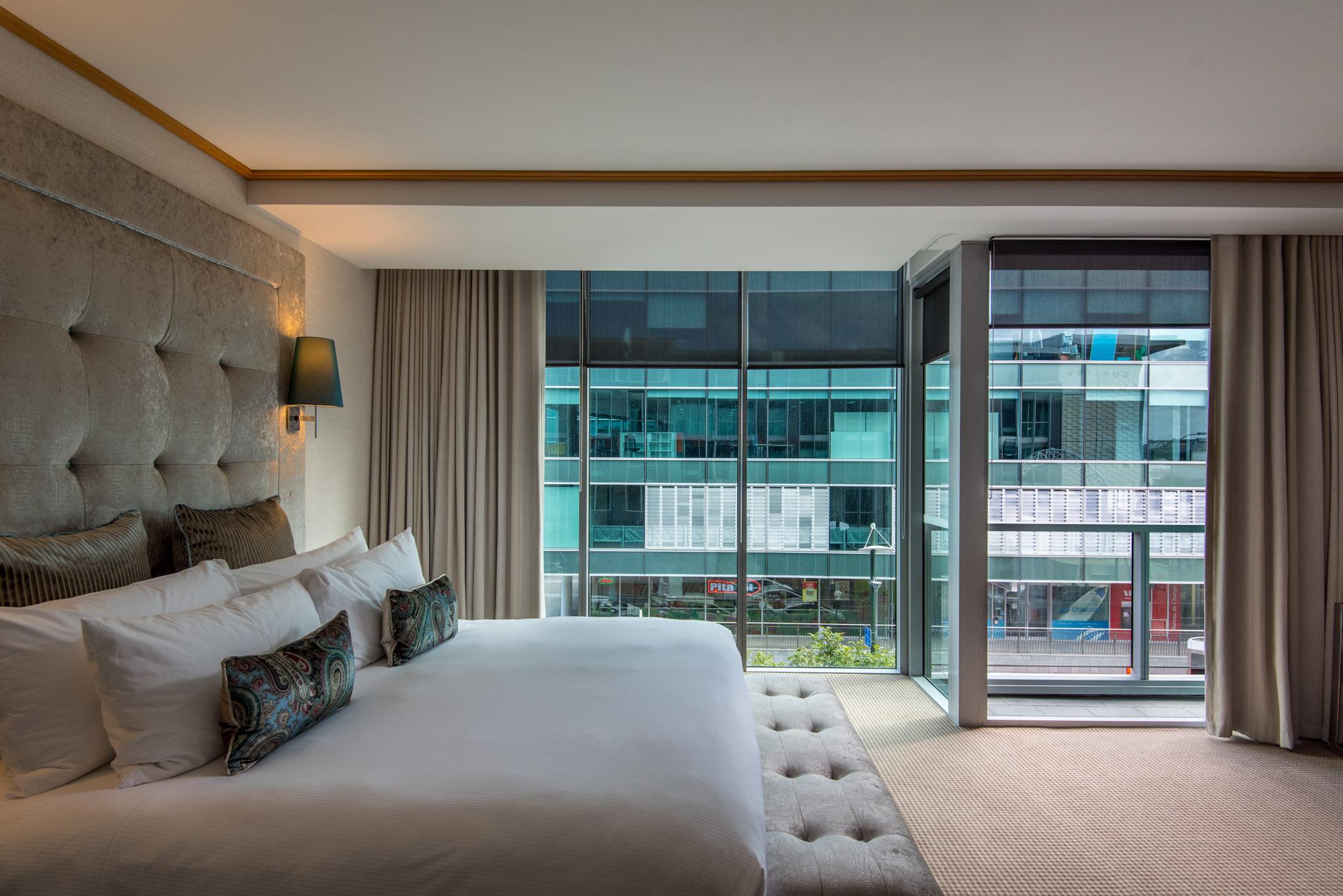 Bedroom  Superior Room - Sofitel Auckland Viaduct Harbour