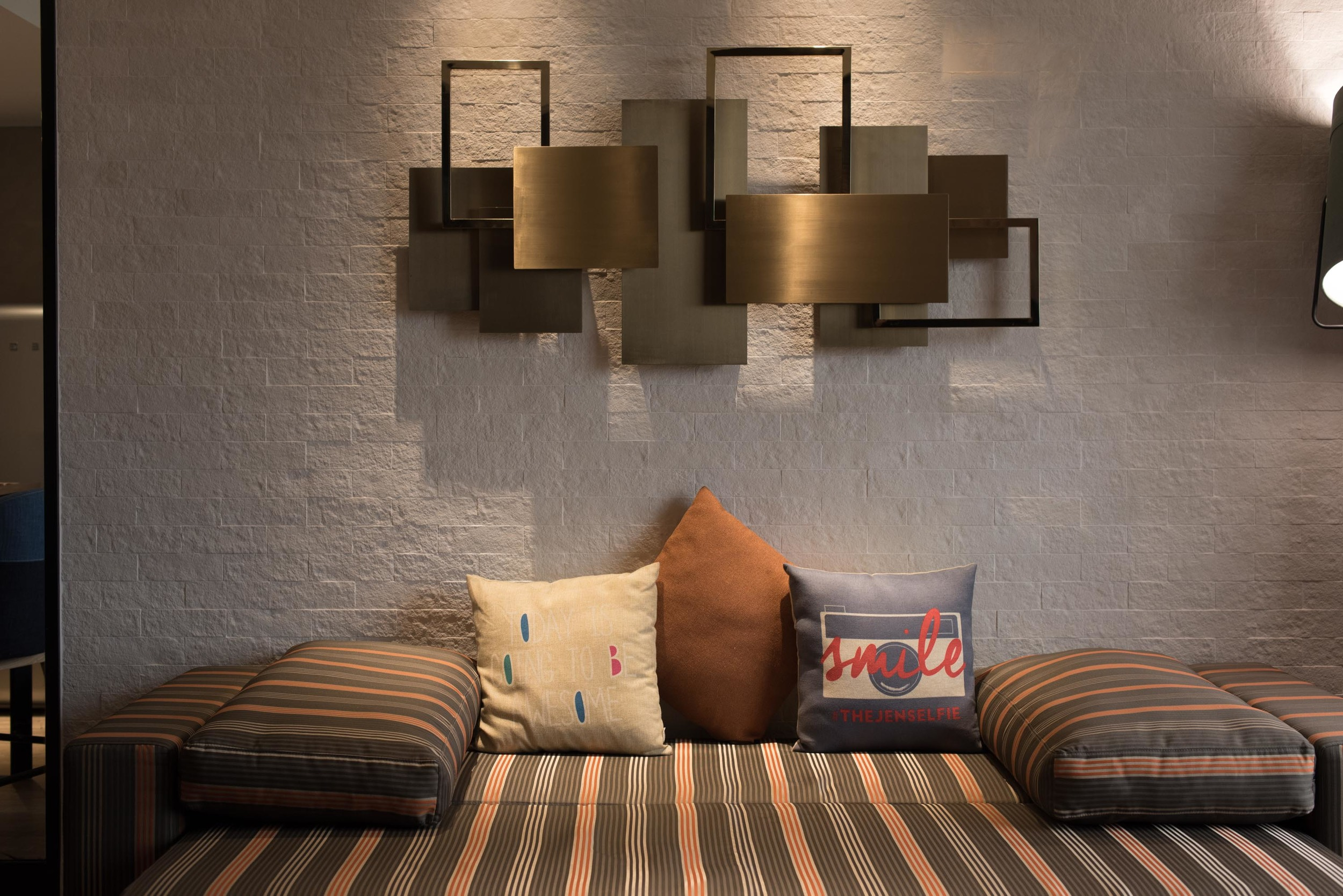 Executive Suite - Living Room (Sofa Bed)    Hotel Jen Tanglin Singapore