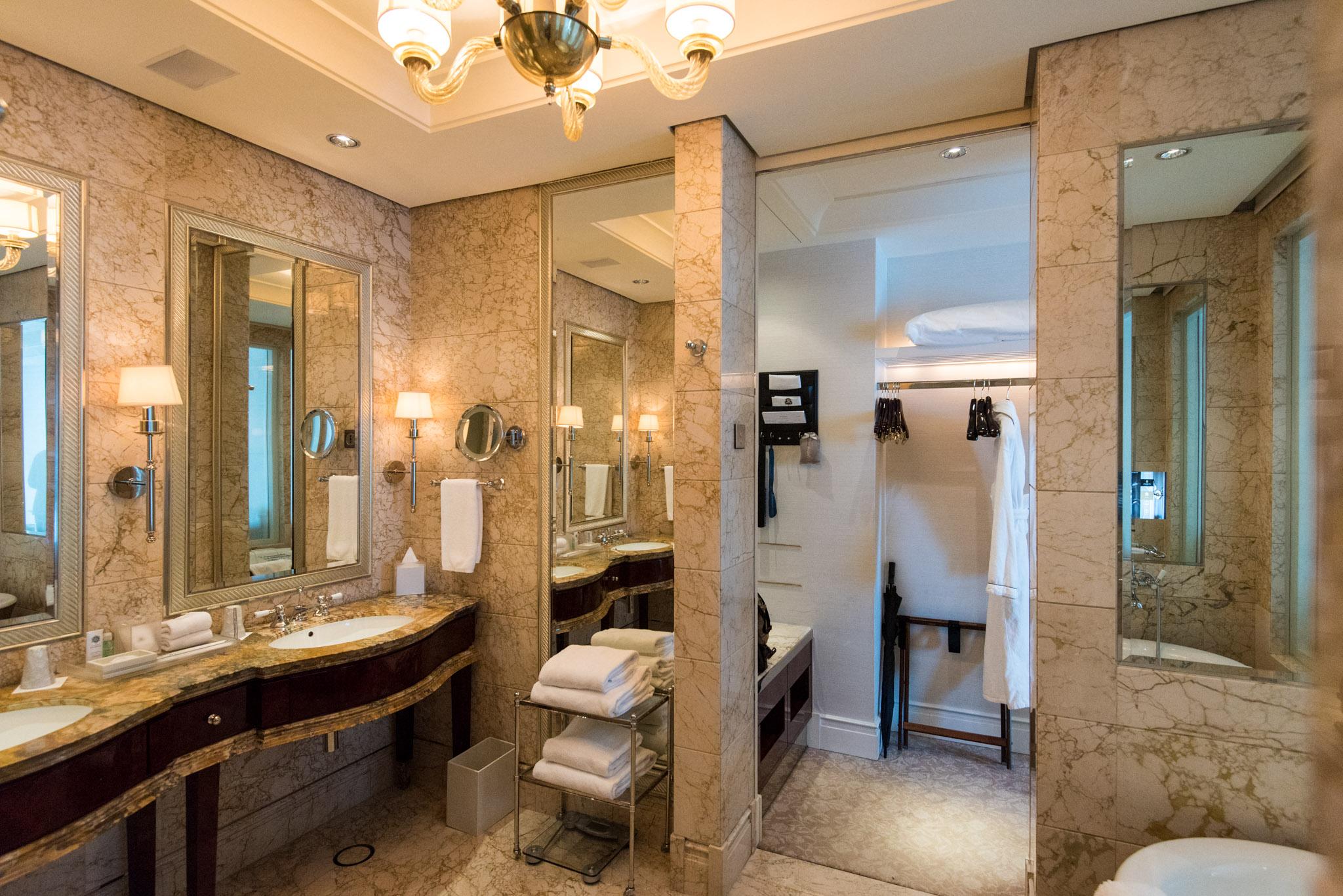 Bathroom  Caroline Astor Suite - The St. Regis Singapore