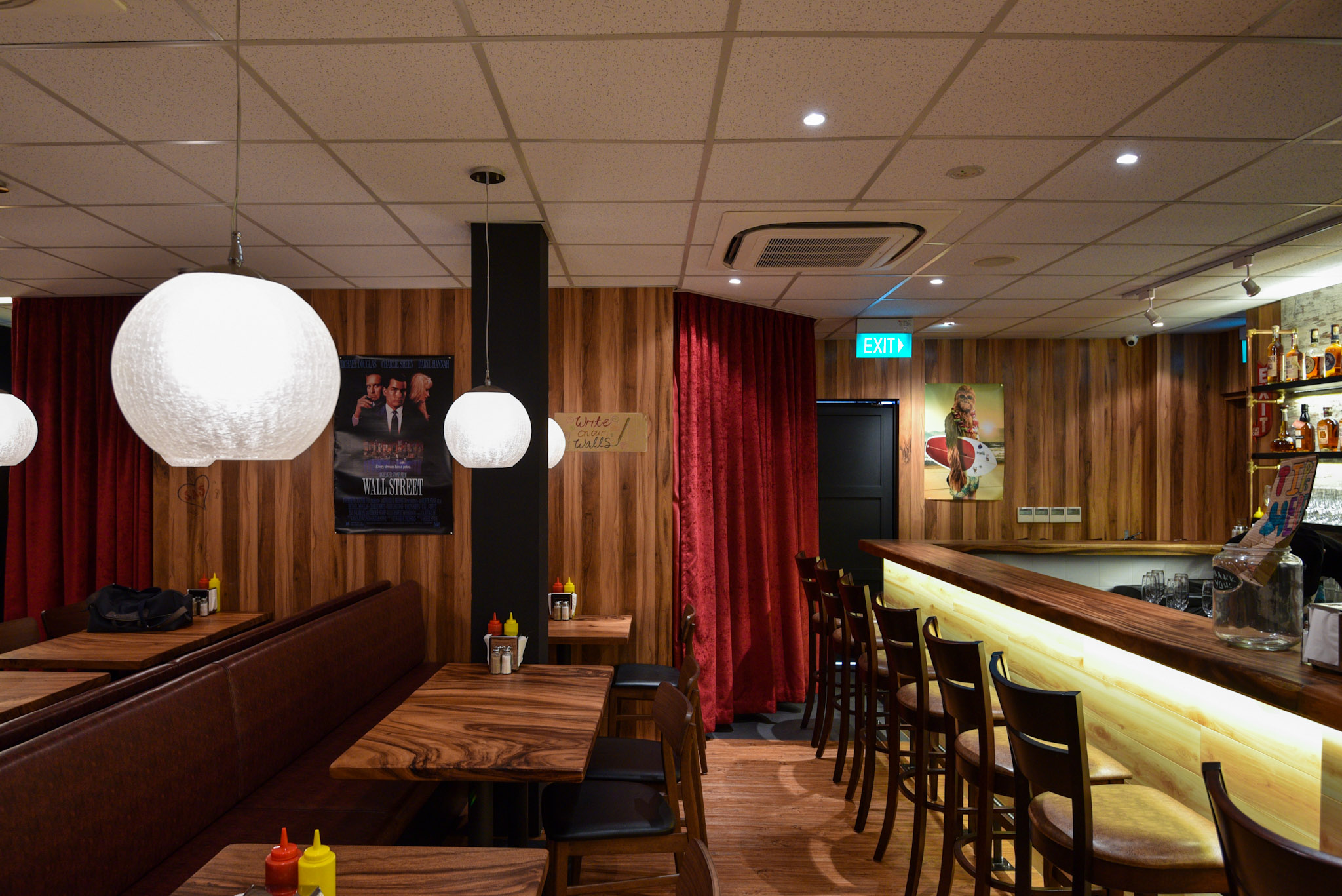 Bar and Craft Beer    Burger Joint Singapore