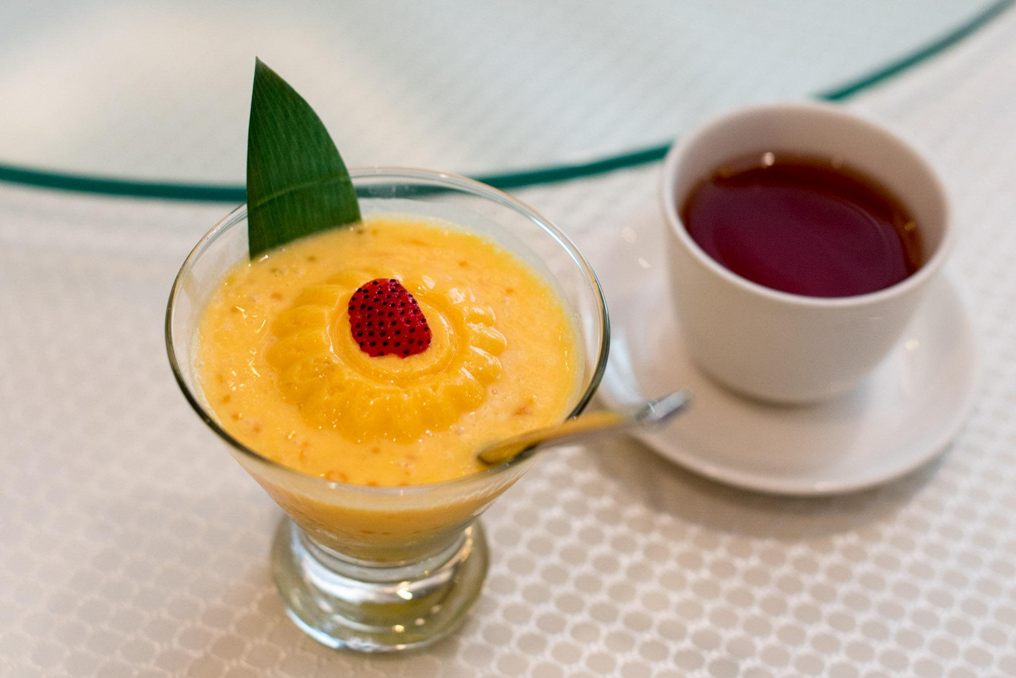 Mango Pudding with Pomelo    Wah Lok - Carlton Hotel Singapore