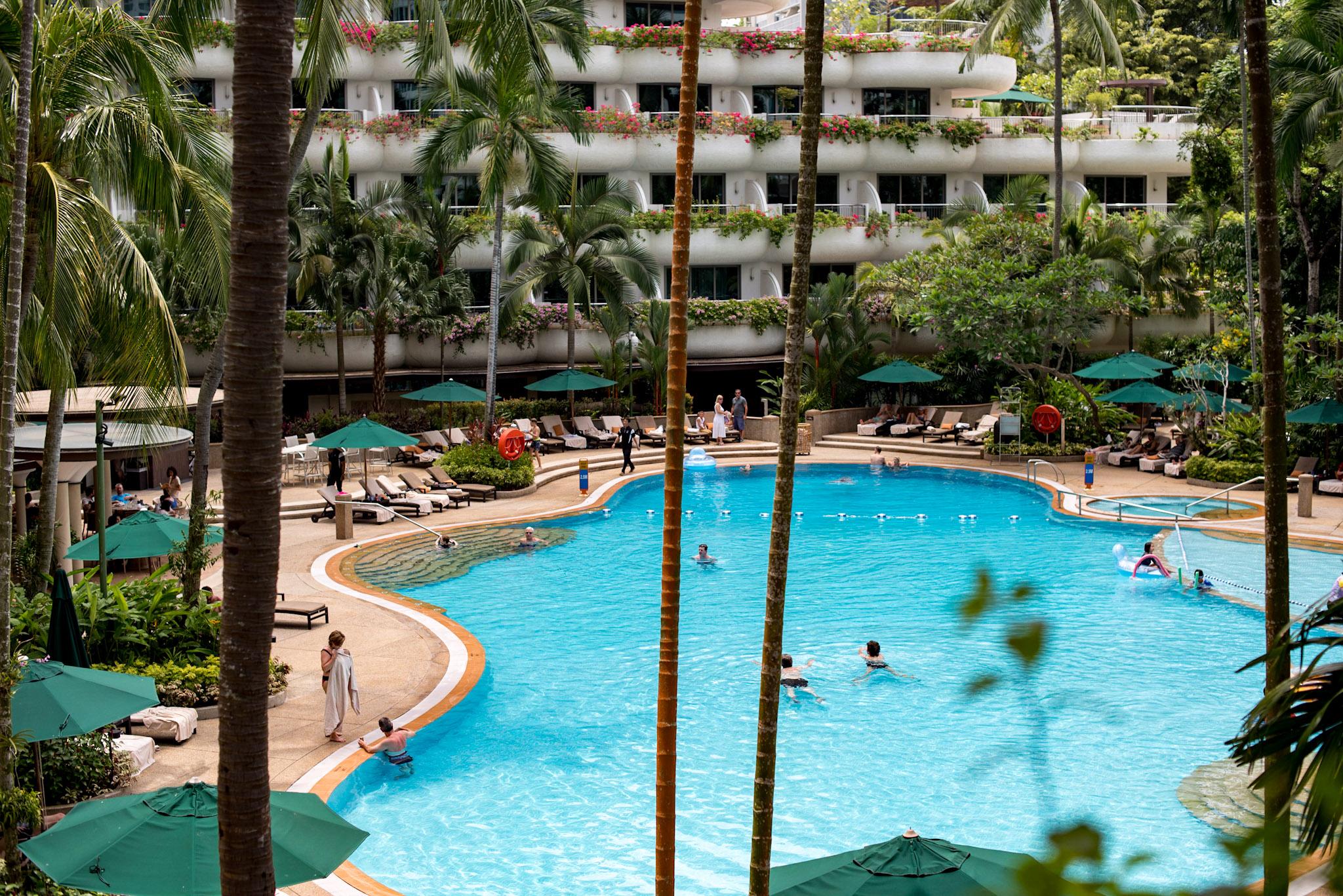 Swimming Pool   Shangri-La Hotel, Singapore