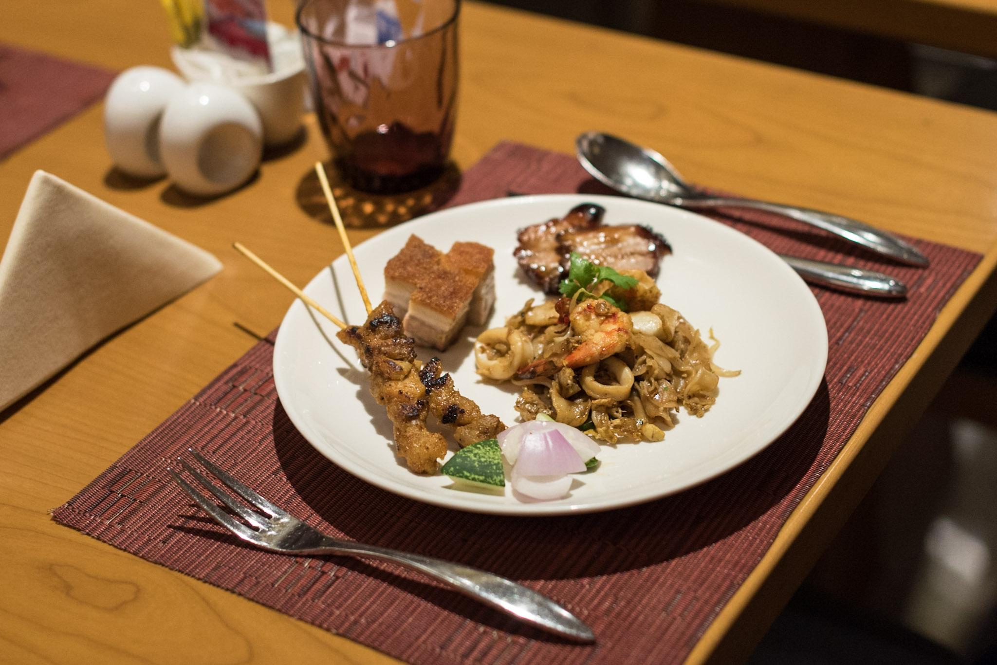 Hawkerlicious Dinner Buffet  Flavours at Zhongshan Park (Ramada Singapore at Zhongshan Park)