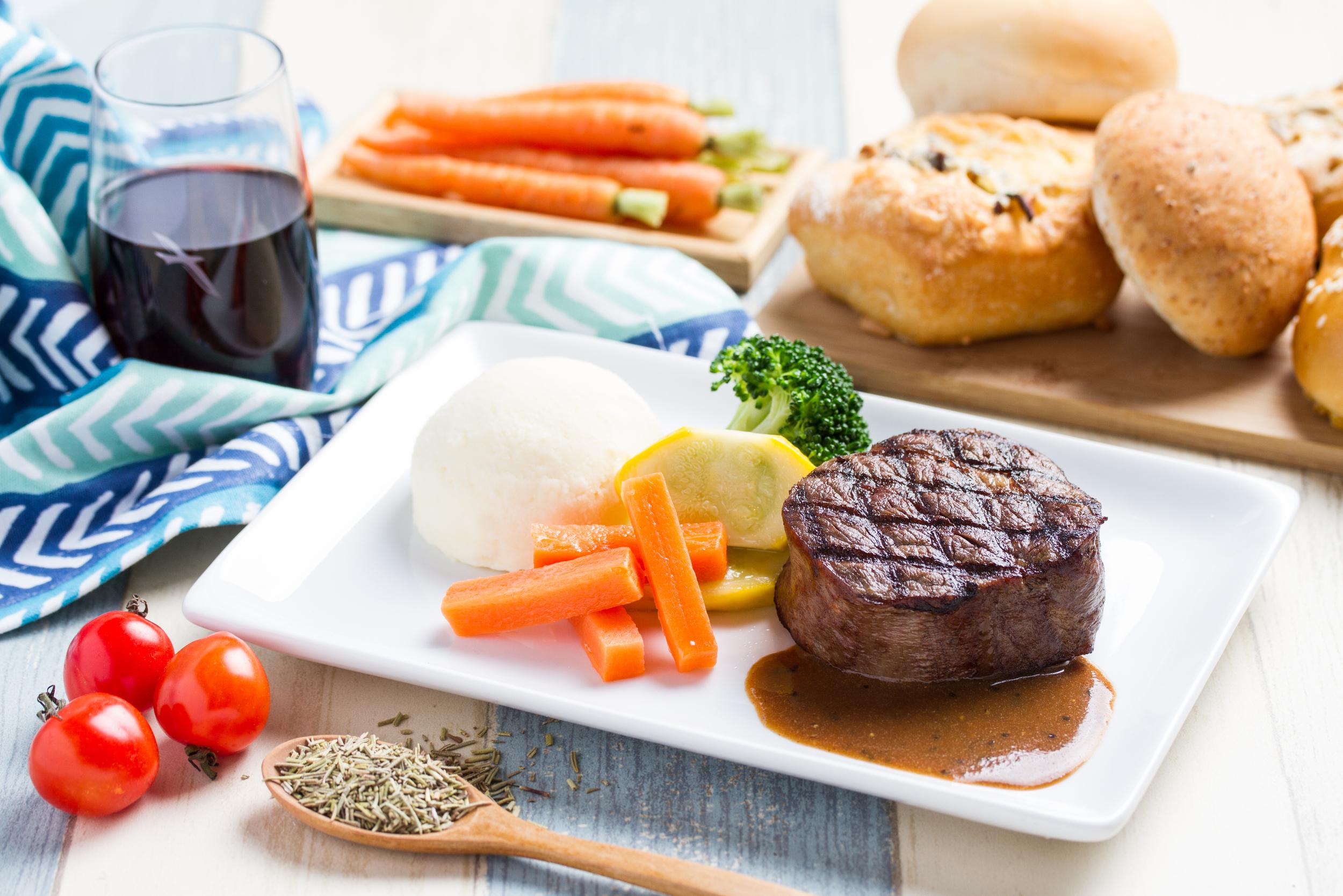 All-Time Favourites Meal on SilkAir Business Class | Photo Credit: SilkAir