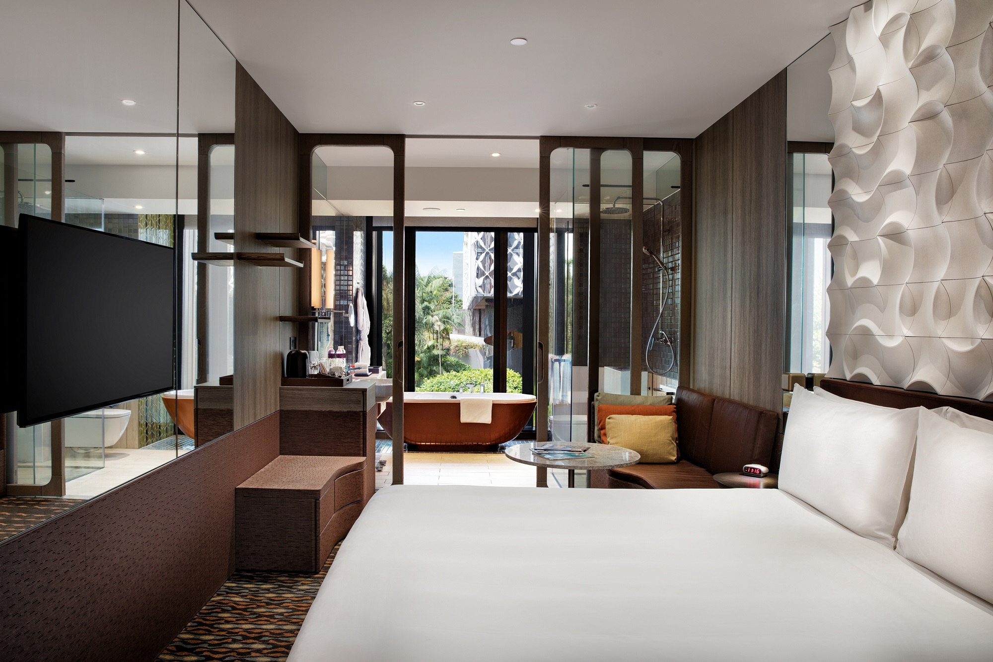 New Business Rooms | Photo Credit: Crowne Plaza Changi Airport