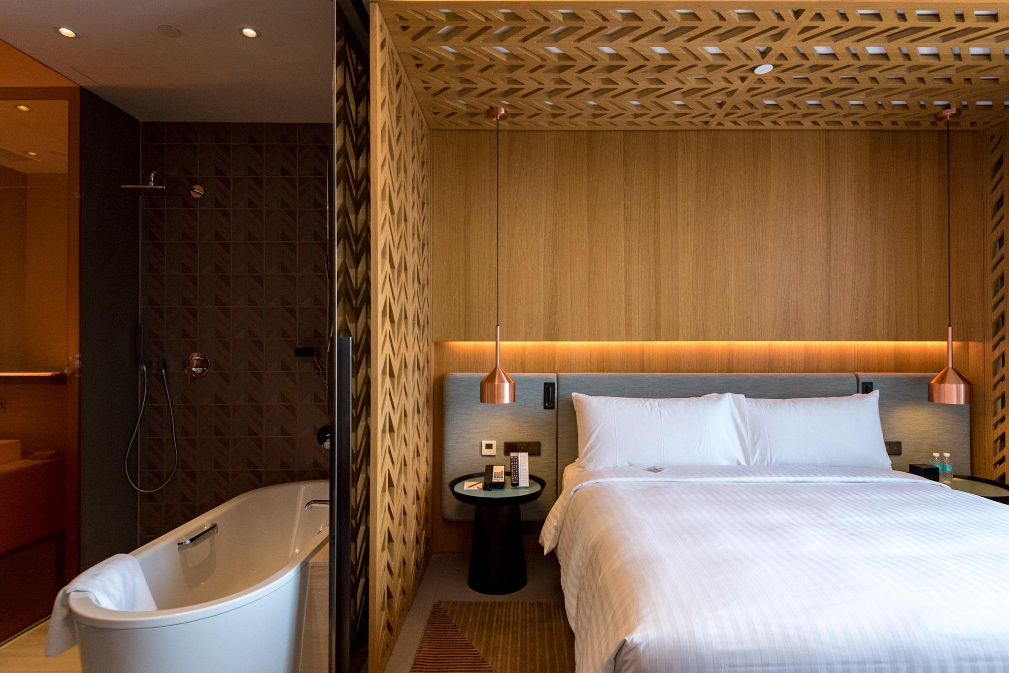 Bathtub - Club Room    Oasia Hotel Downtown Singapore