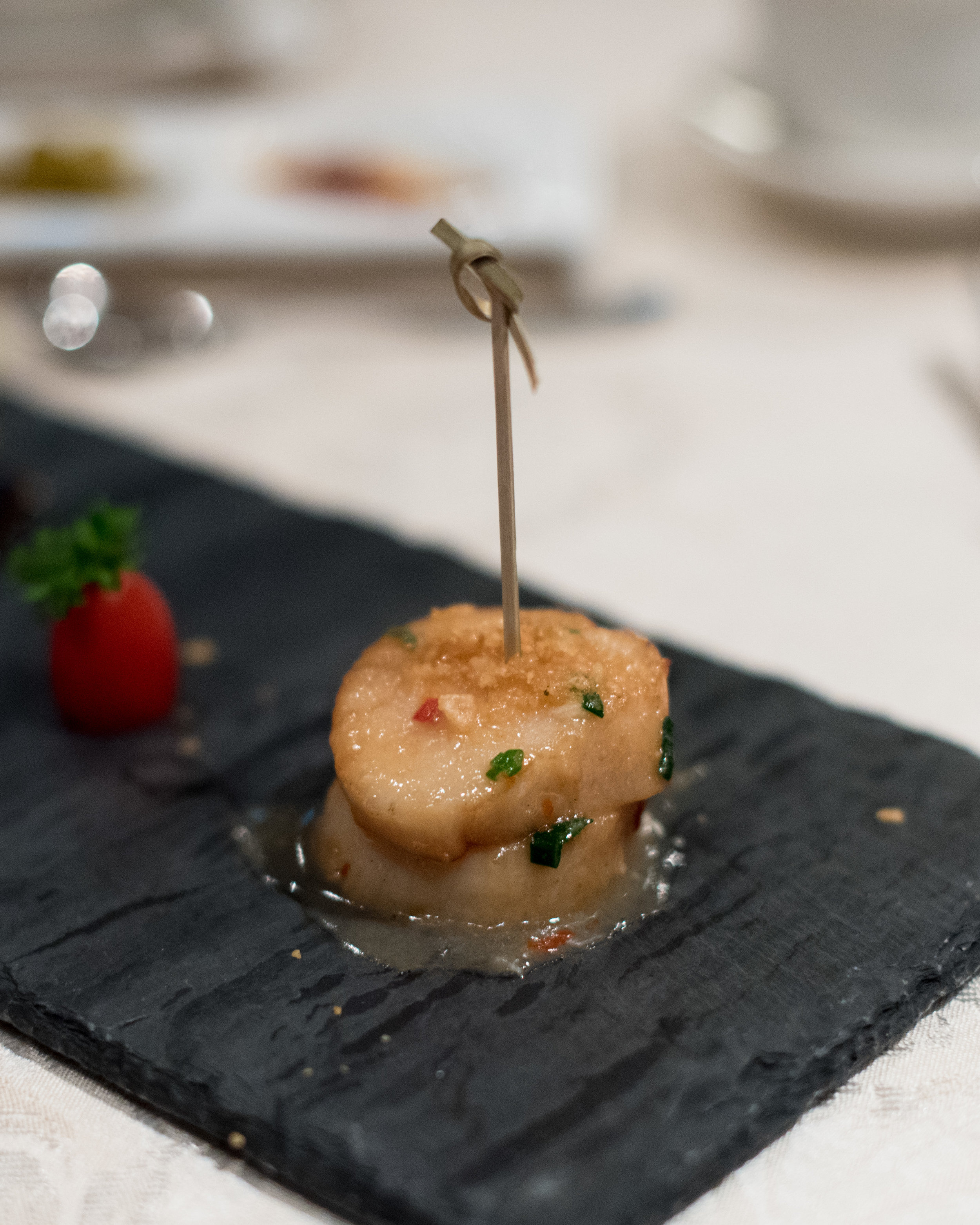 Japanese Style Sea Perch Fillet in Sake Sauce served with Fresh Scallops in Pepper and Salt (椒鹽鮮元貝伴日式鱸魚)