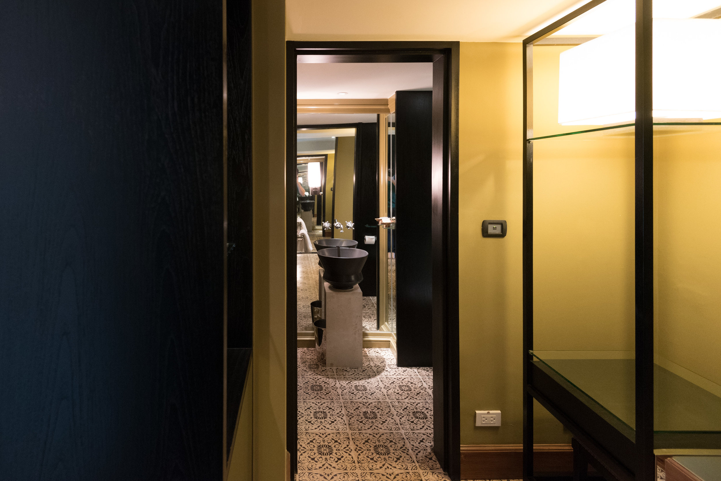 Guest Bathroom   Grand Executive Suite King - Grand Hyatt Erawan Bangkok