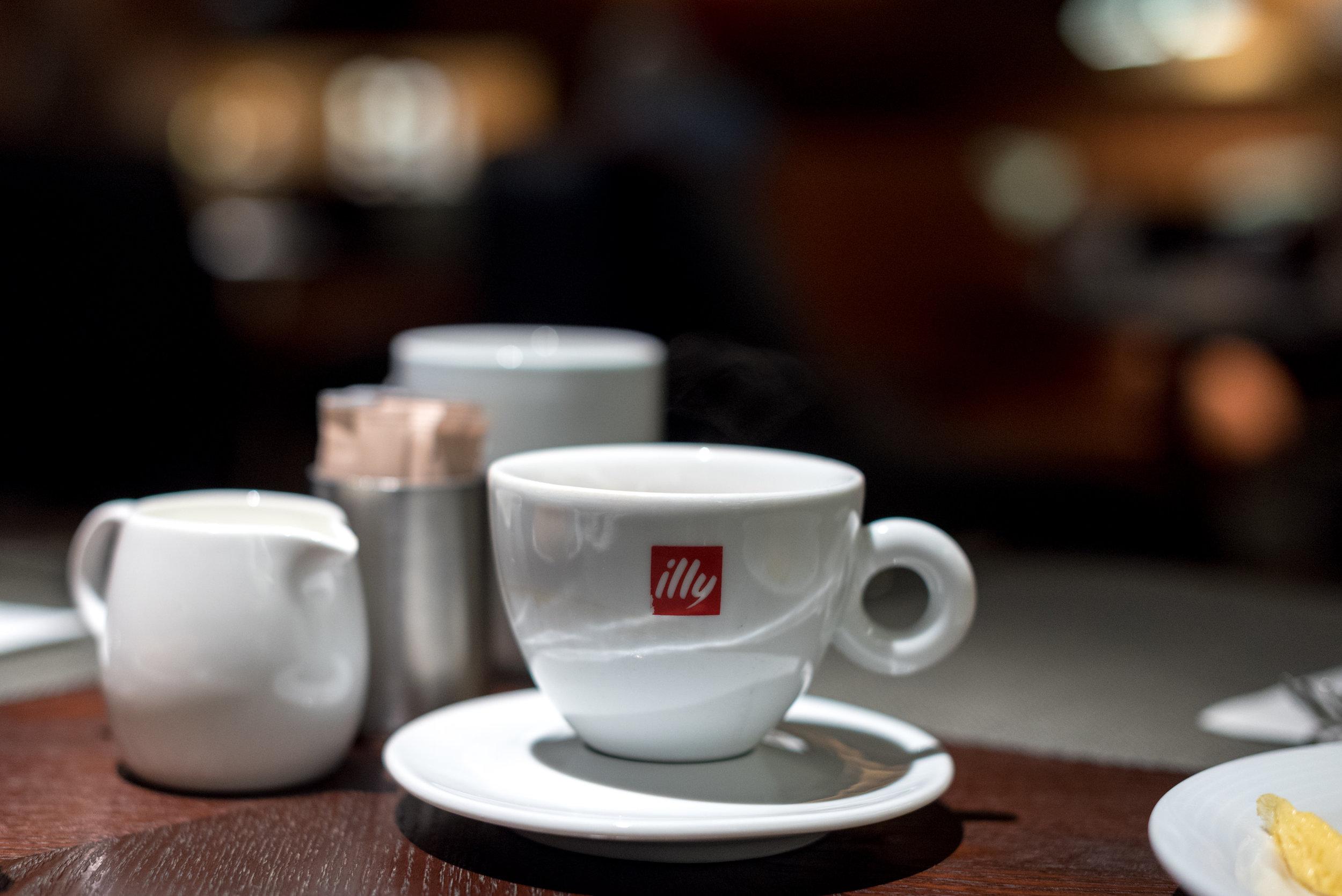 Breakfast at Opus Bar & Grill  Hilton Singapore
