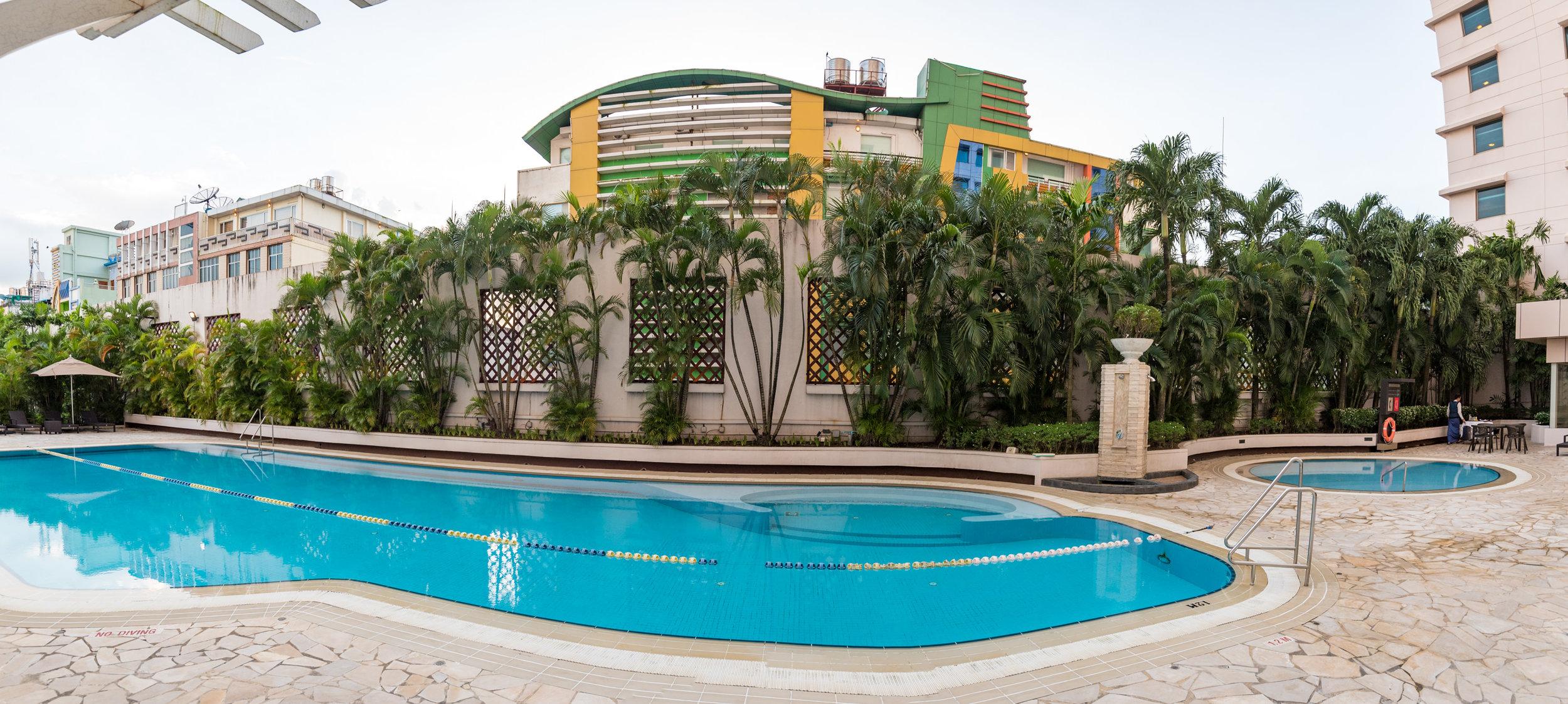 Swimming Pool  Sule Shangri-La, Yangon