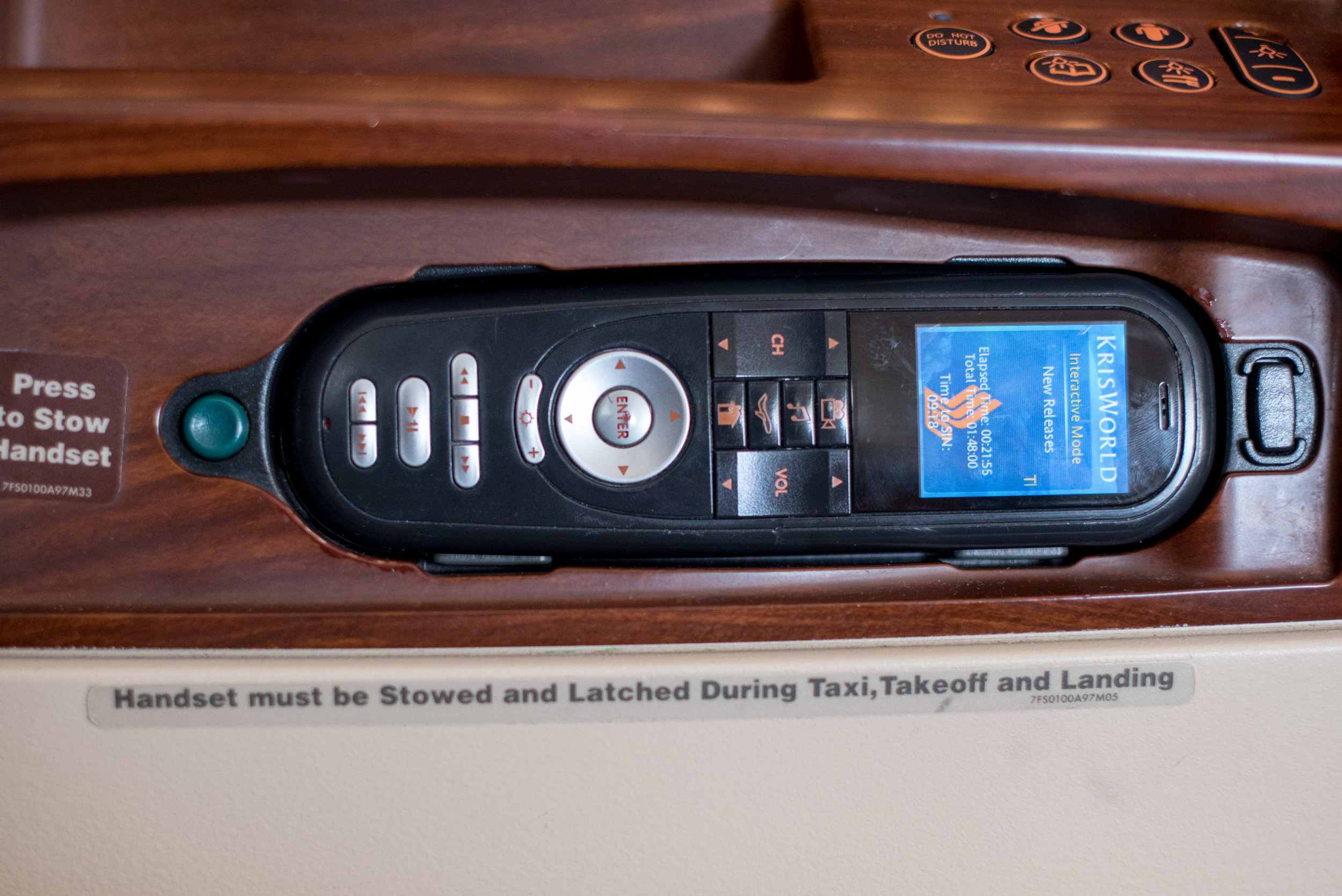 Handset  Singapore Airlines Suites A380-800 - AKL to SIN