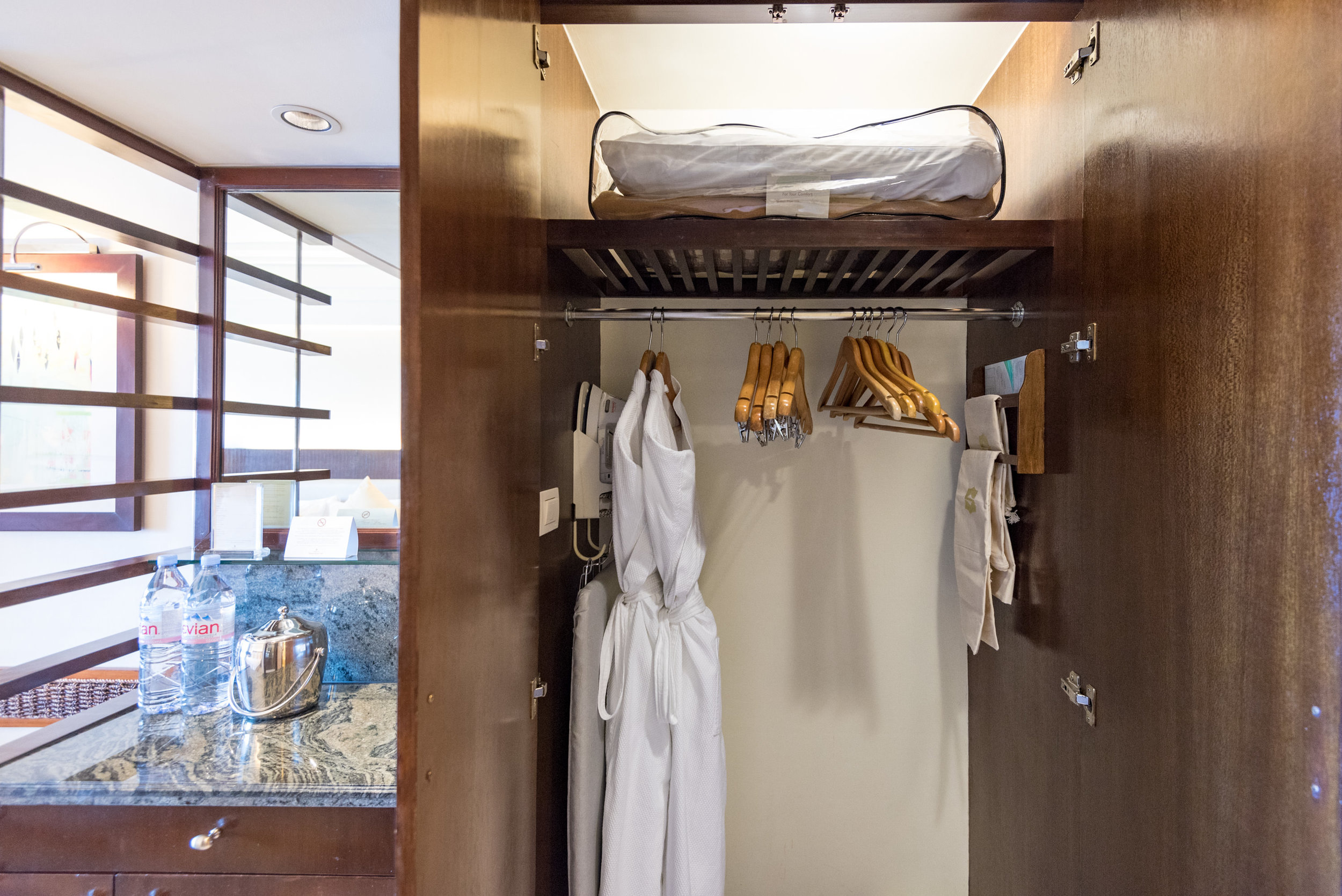 Wardrobe - Ocean Wing Panorama Room  Shangri-La's Mactan Resort and Spa, Cebu