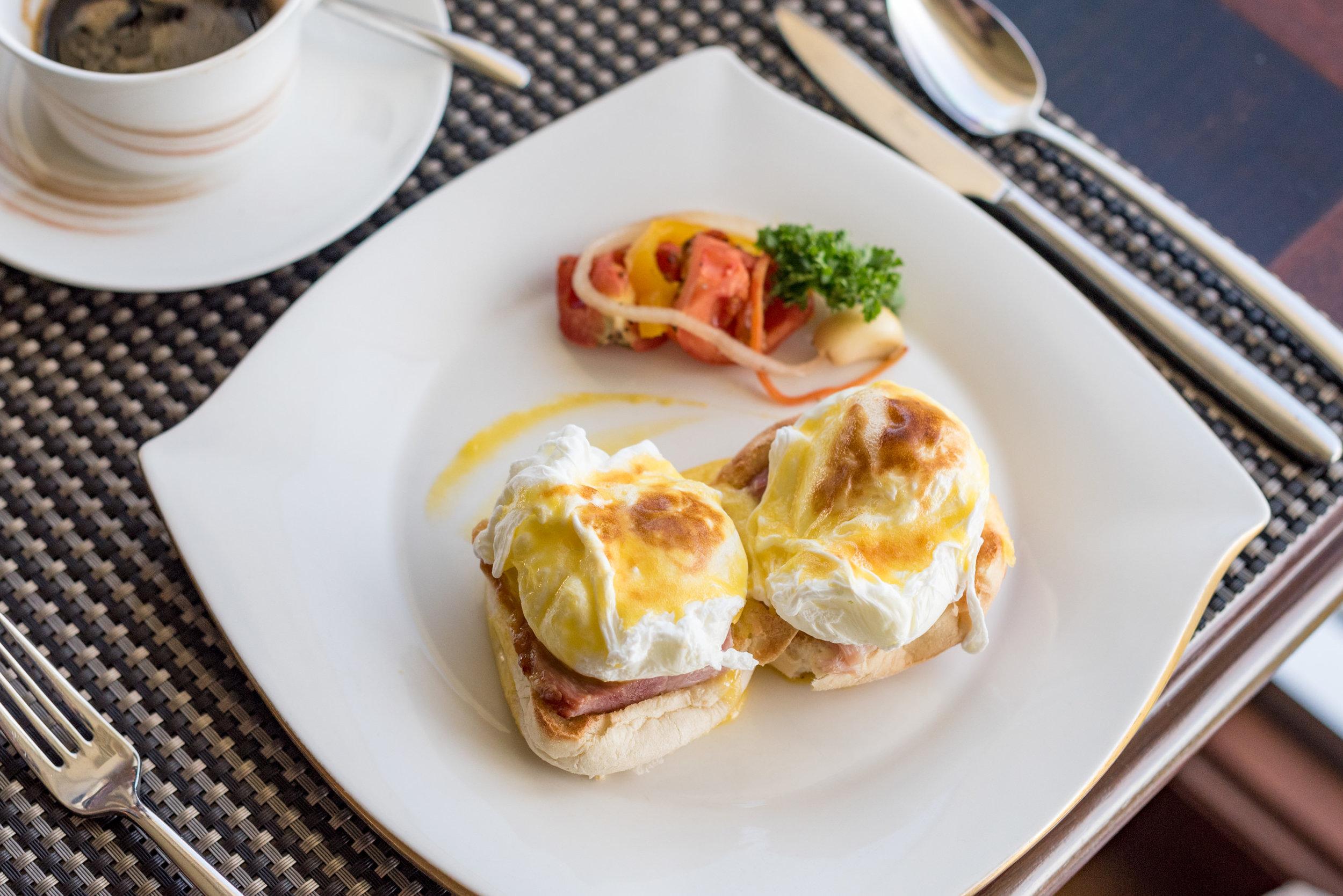 Breakfast at Ocean Club  Shangri-La's Mactan Resort and Spa, Cebu