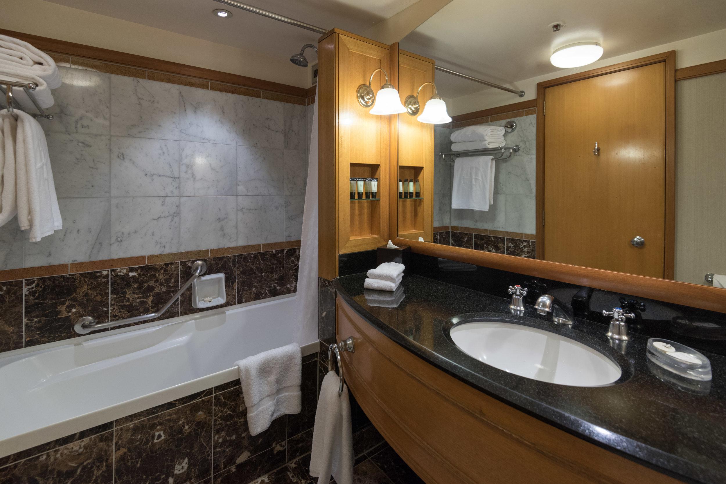 Bathroom  Superior Room - The Langham, Auckland