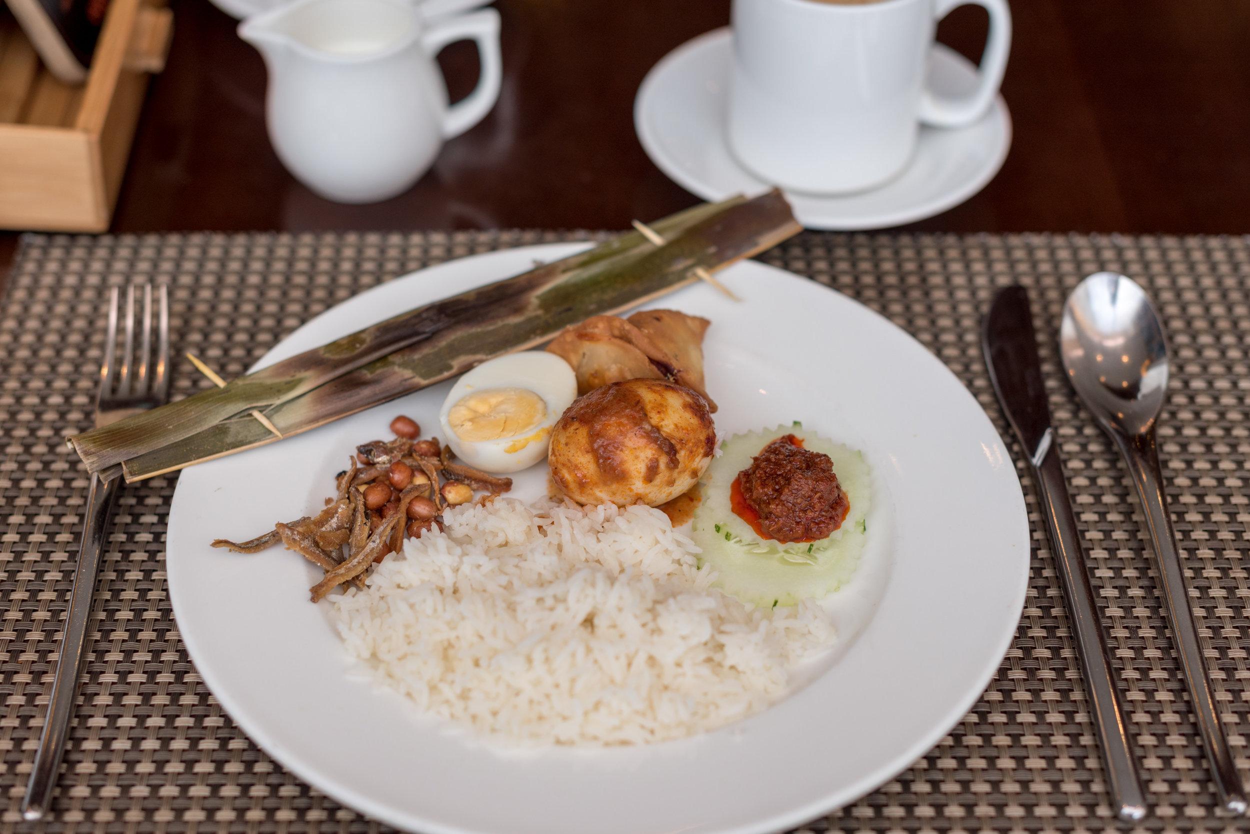 Buffet Breakfast  Edge - Pan Pacific Singapore