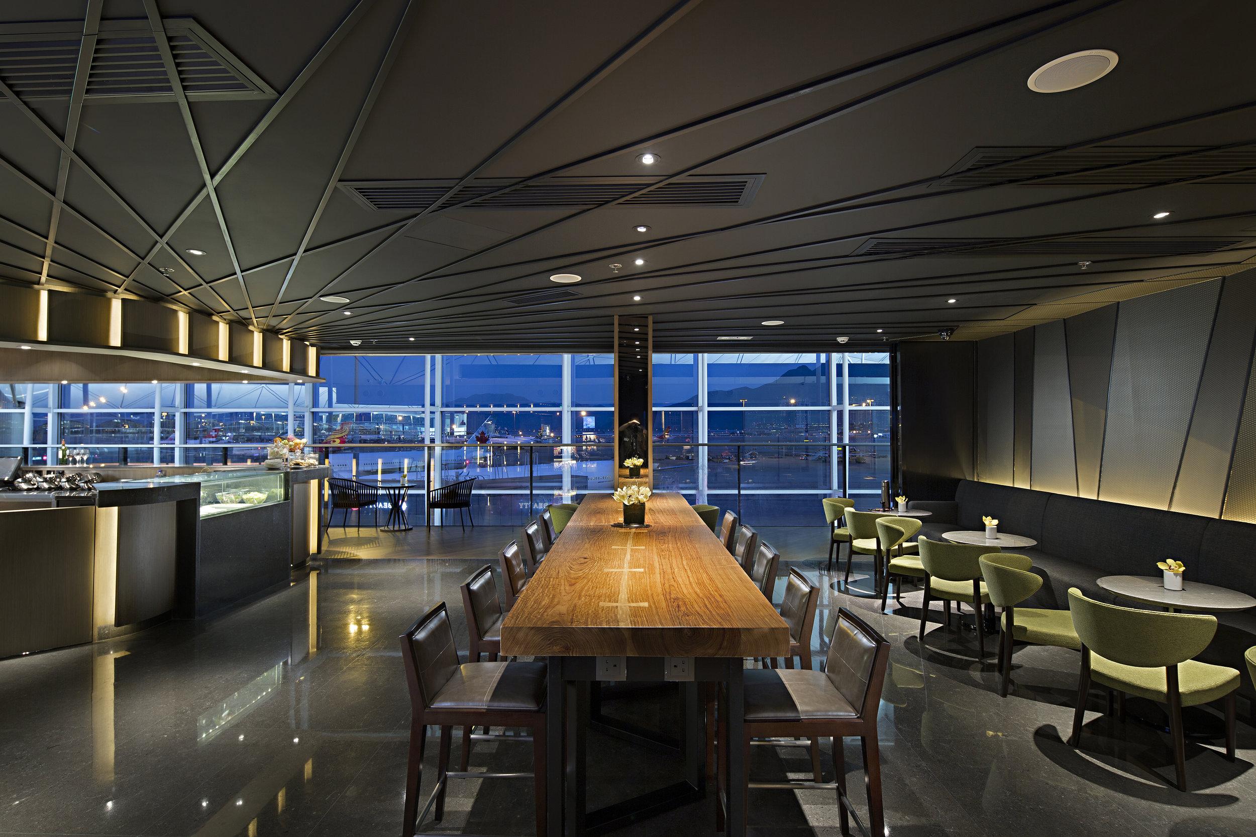 Plaza Premium Lounge (West Hall) - Hong Kong | Photo Credit: Plaza Premium Lounge