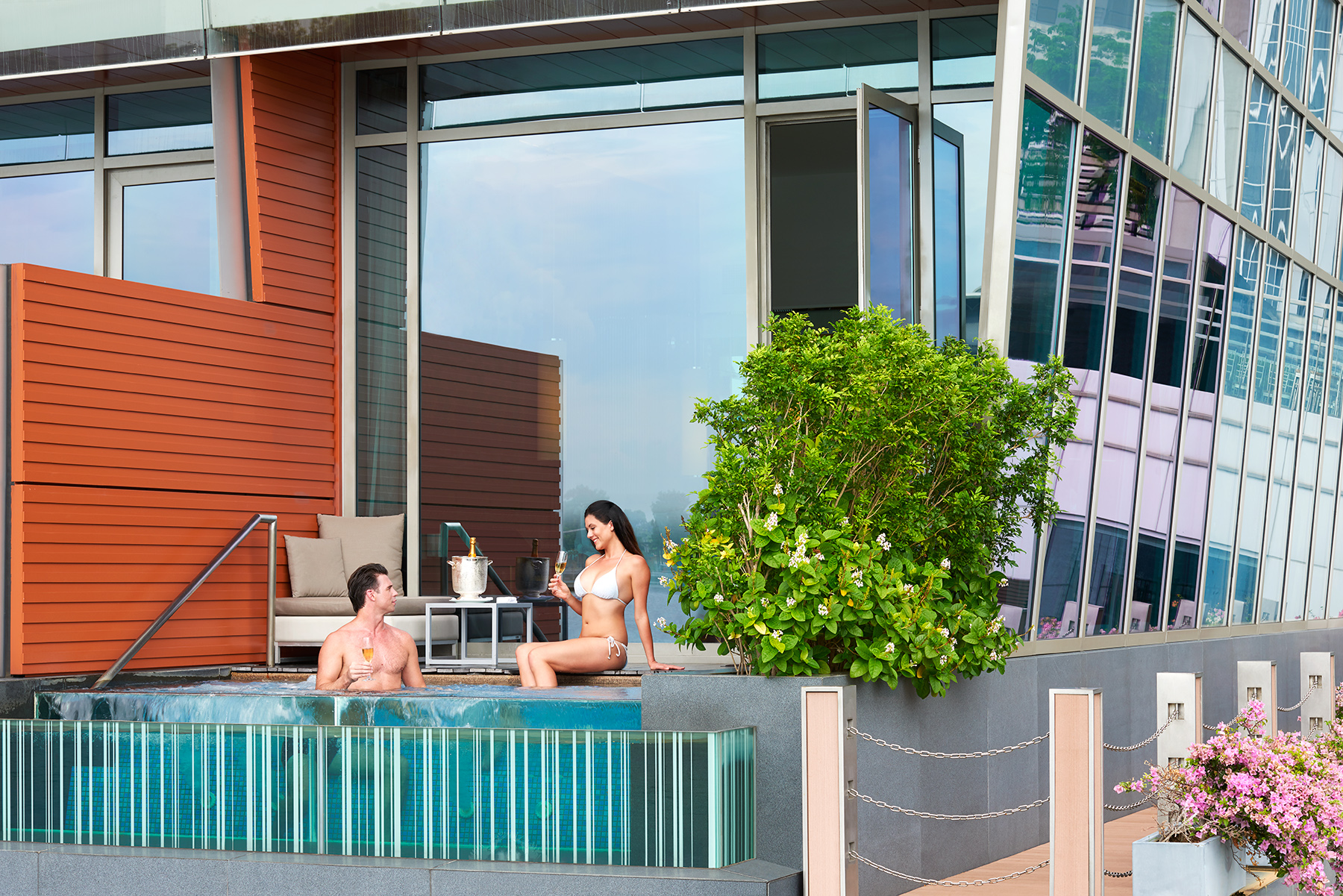 Premier Bay View Jacuzzi Room Exterior | Photo Credit: The Fullerton Bay Hotel