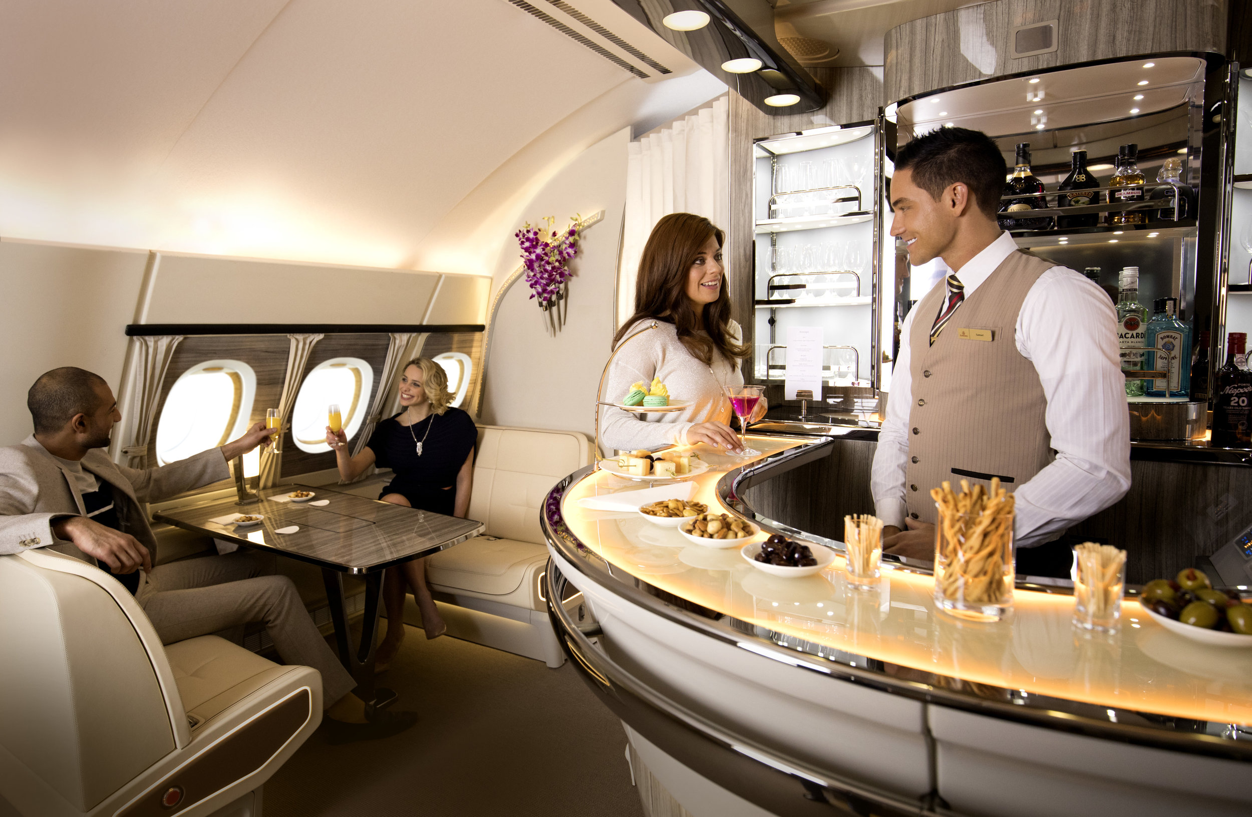 Onboard Lounge on Airbus A380 | Photo Credit: Emirates