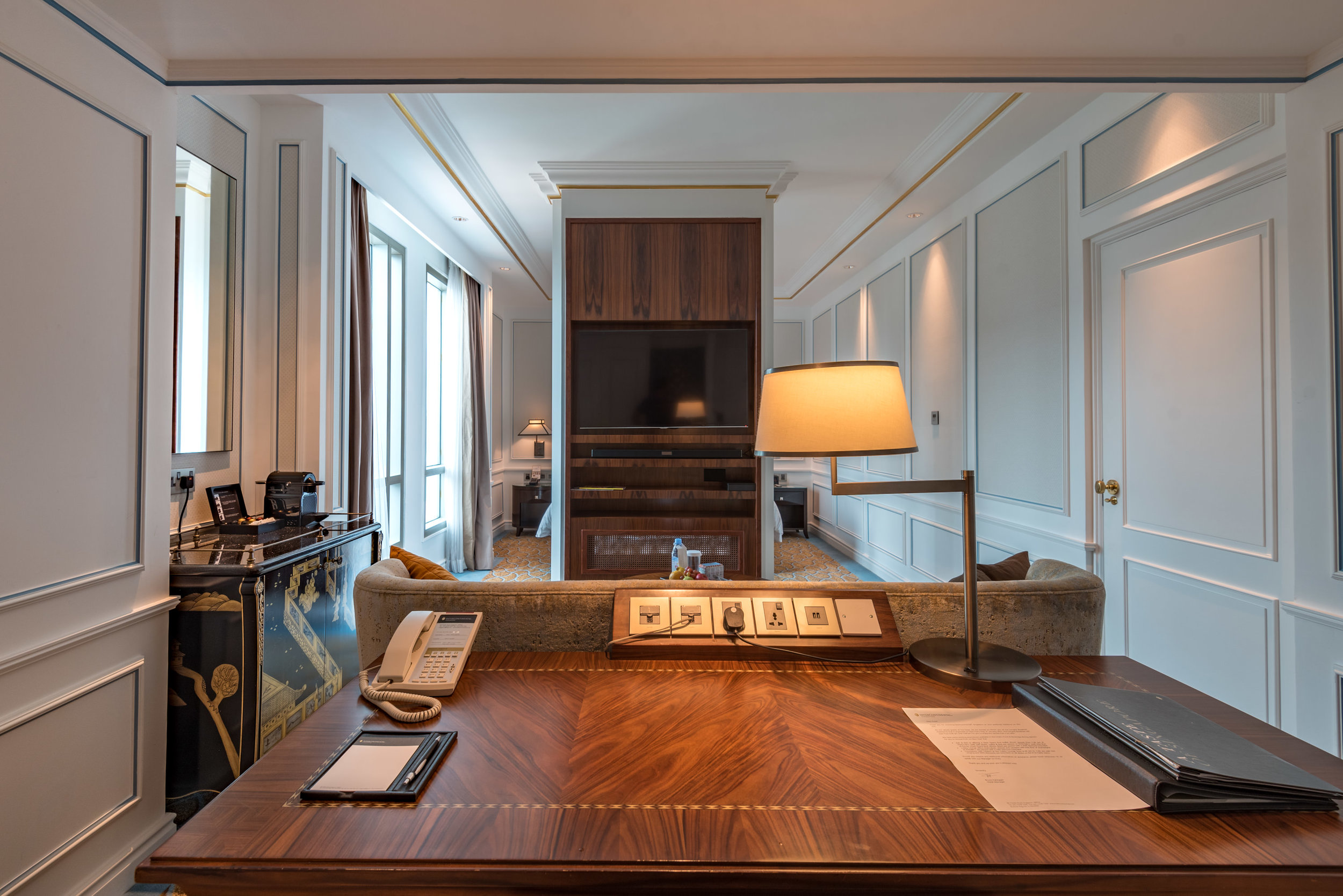 Work Desk  Grand Deluxe Room - InterContinental Singapore