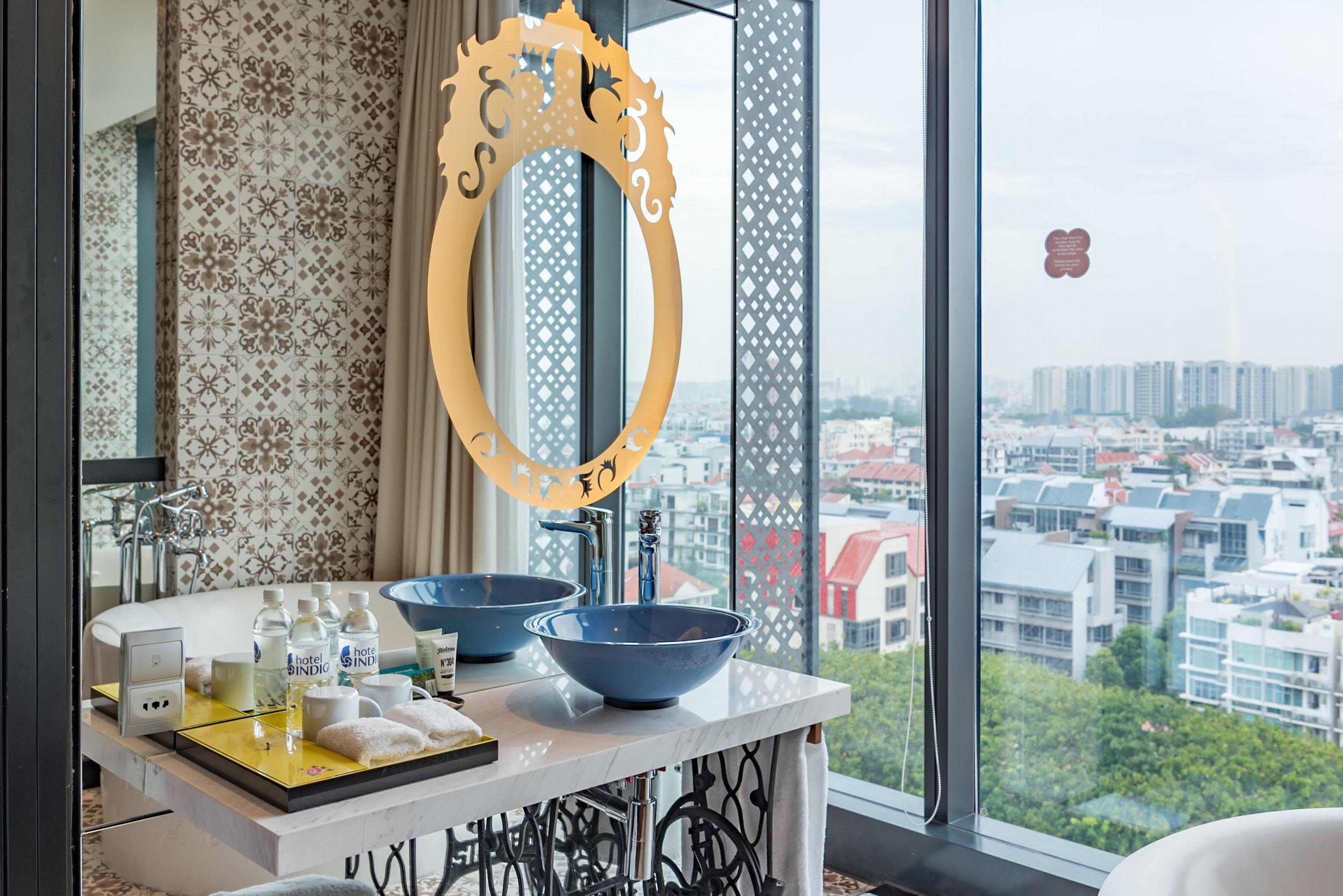 Half Bathroom  Premier View Room with Bathtub - Hotel Indigo Singapore Katong