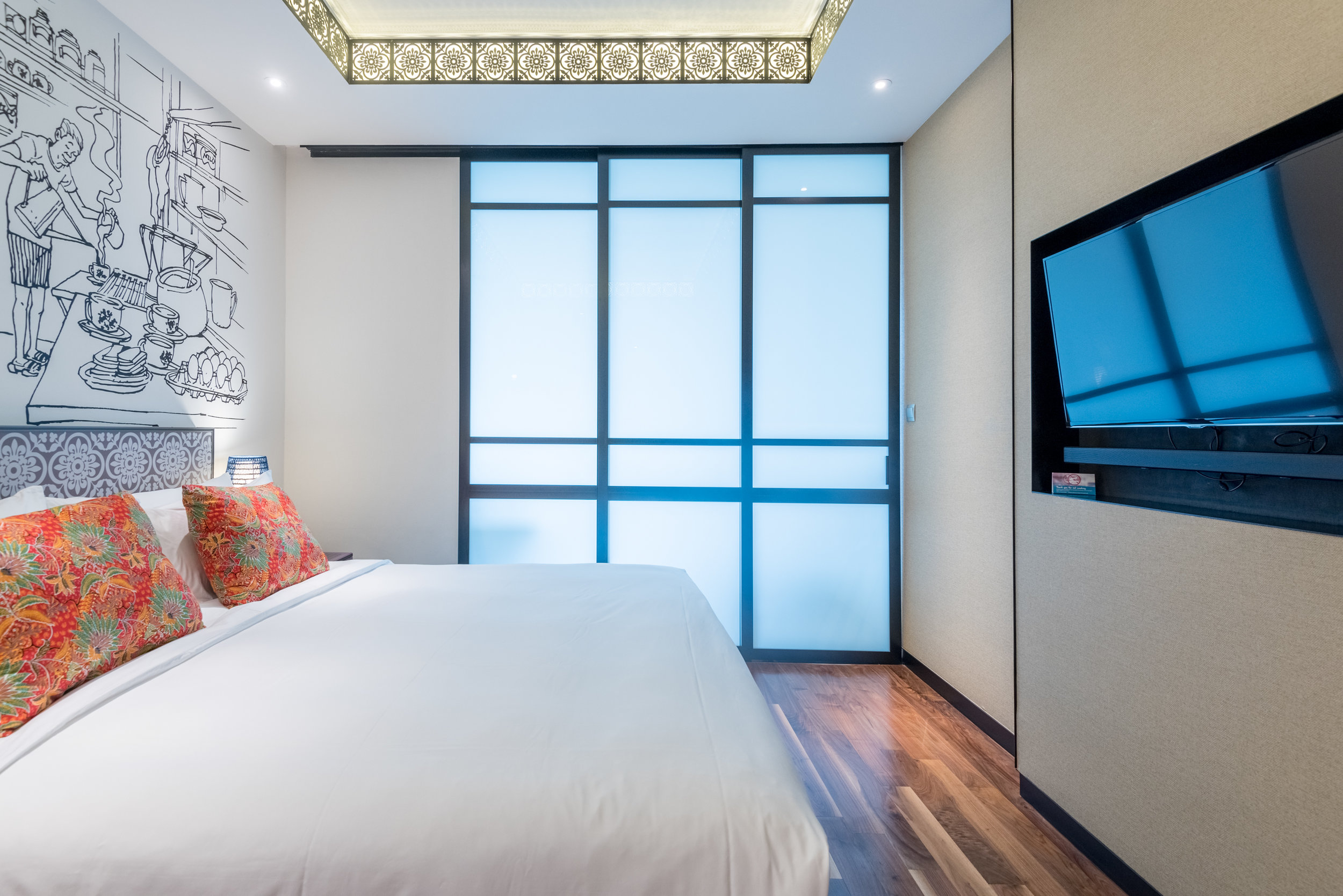 Bathroom Doors  Premier View Room with Bathtub - Hotel Indigo Singapore Katong